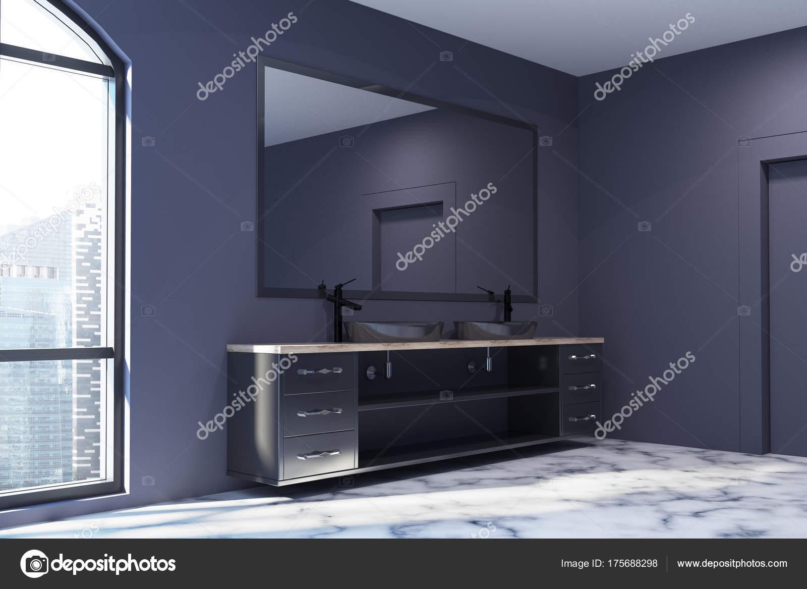 Marmeren Badkamer Vloer : Zwarte badkamer hoek witte marmeren vloer zinken u2014 stockfoto