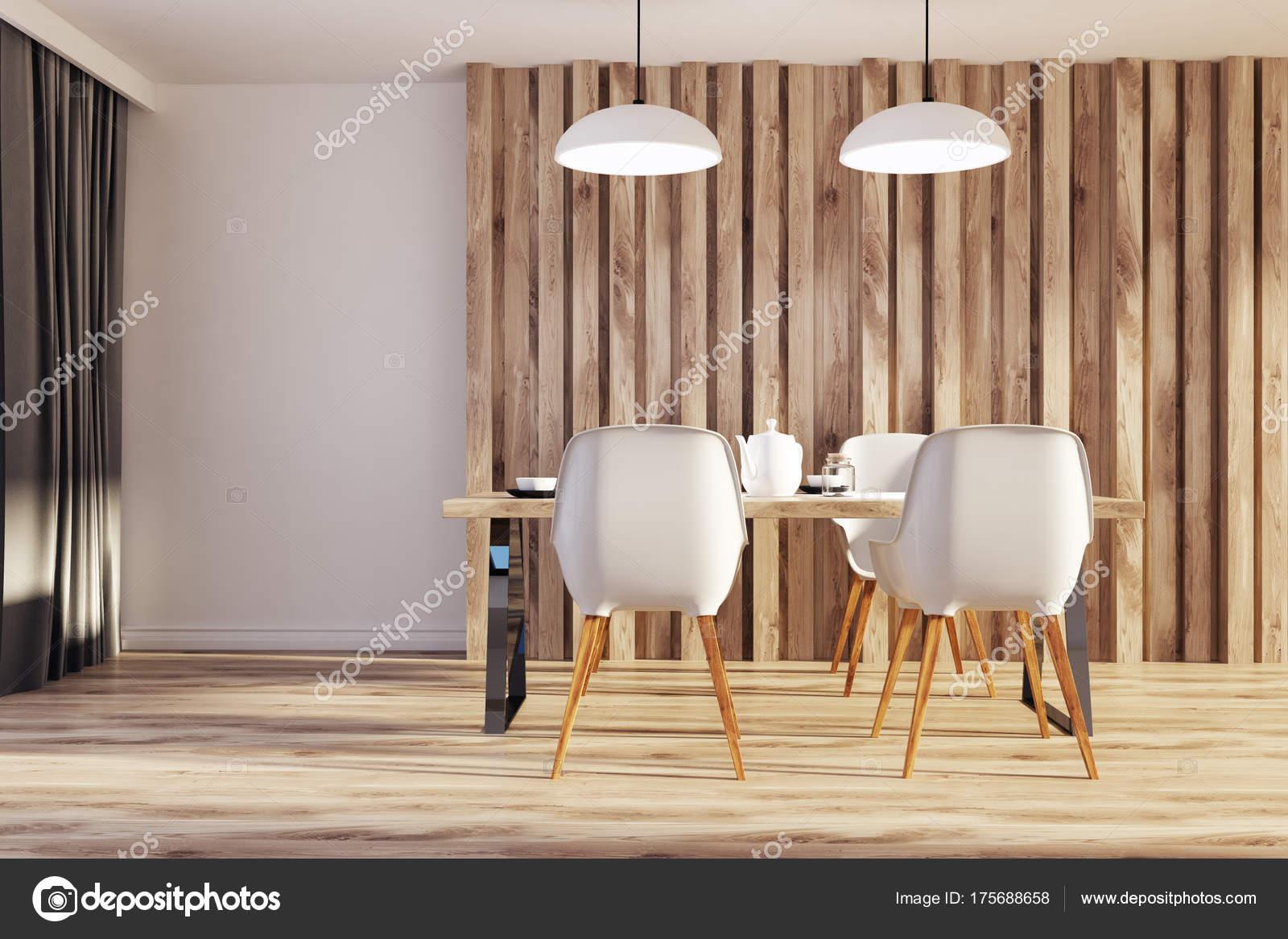 Sedie Bianche E Legno : Sedie da pranzo in legno e bianco bianco u foto stock
