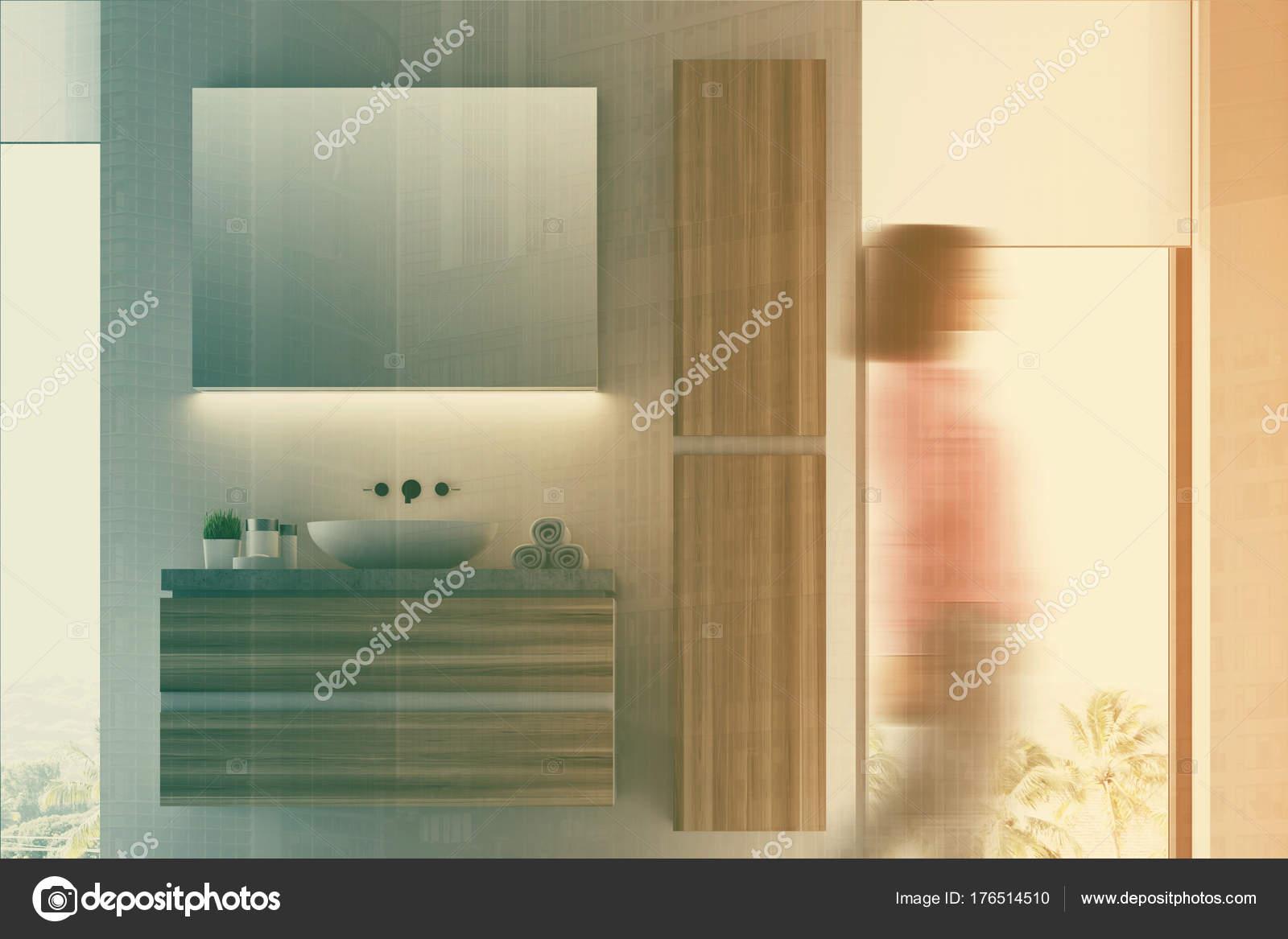Badkamer Gootsteen Kast : Witte en donkere houten badkamer wastafel wazig u stockfoto