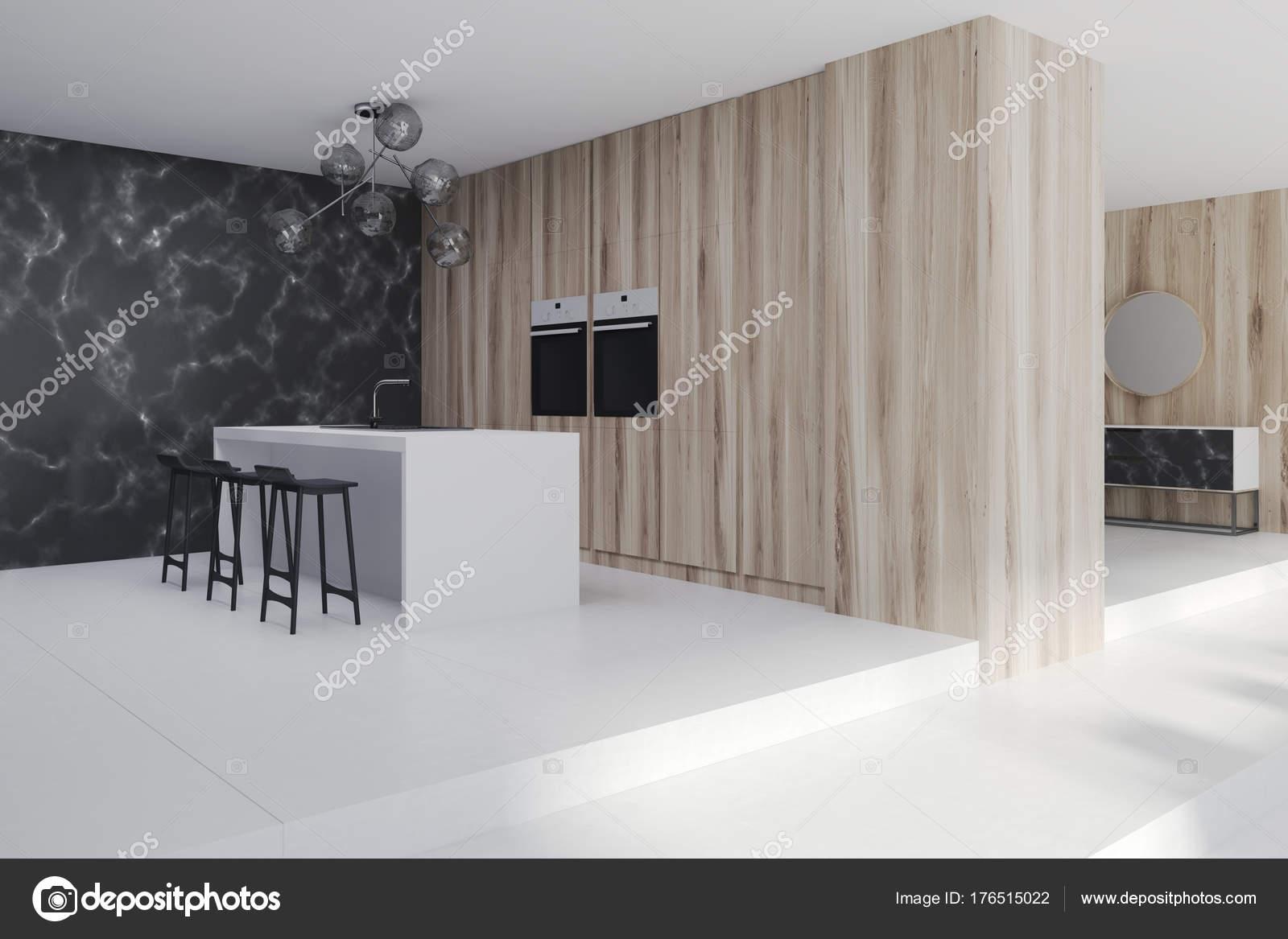 Marmer Zwart Keuken : Houten keuken met een bar kant zwarte marmer u2014 stockfoto