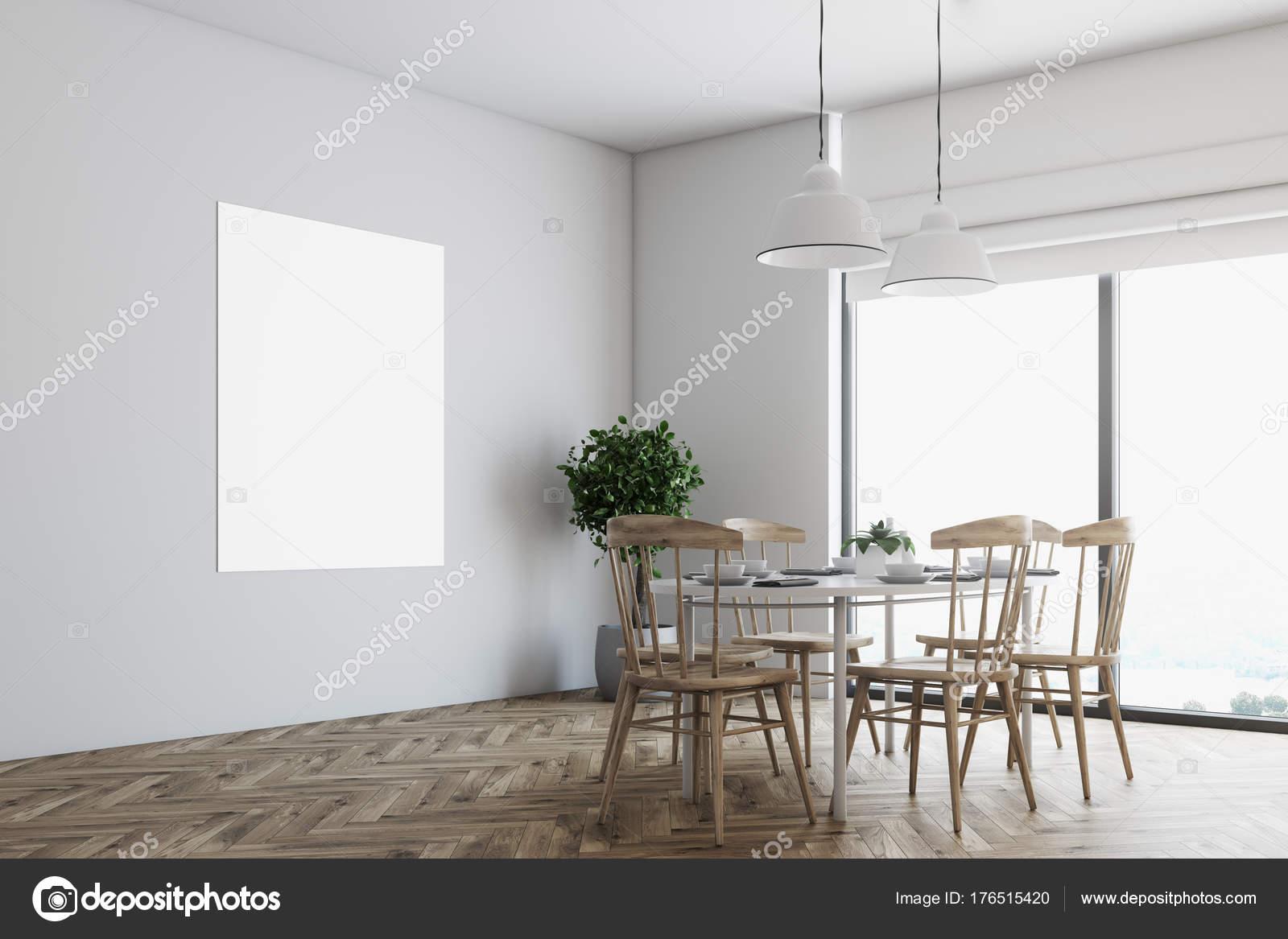 Witte eetkamer hoek, poster, houten stoelen — Stockfoto ...