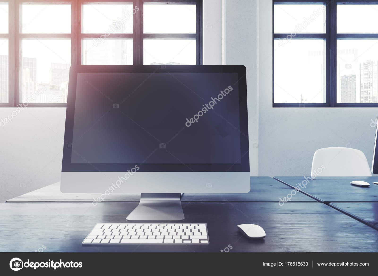 Meuble noir pour ordinateur ½ ½ usagé à vendre à la