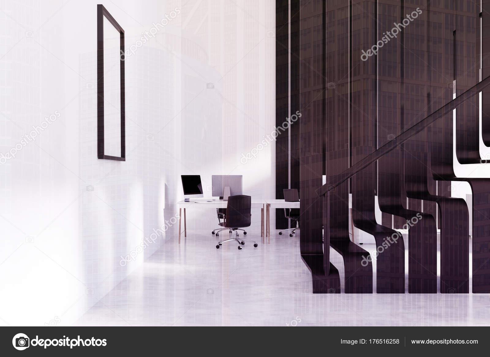 Witte en zwarte kantoor interieur poster toned u stockfoto
