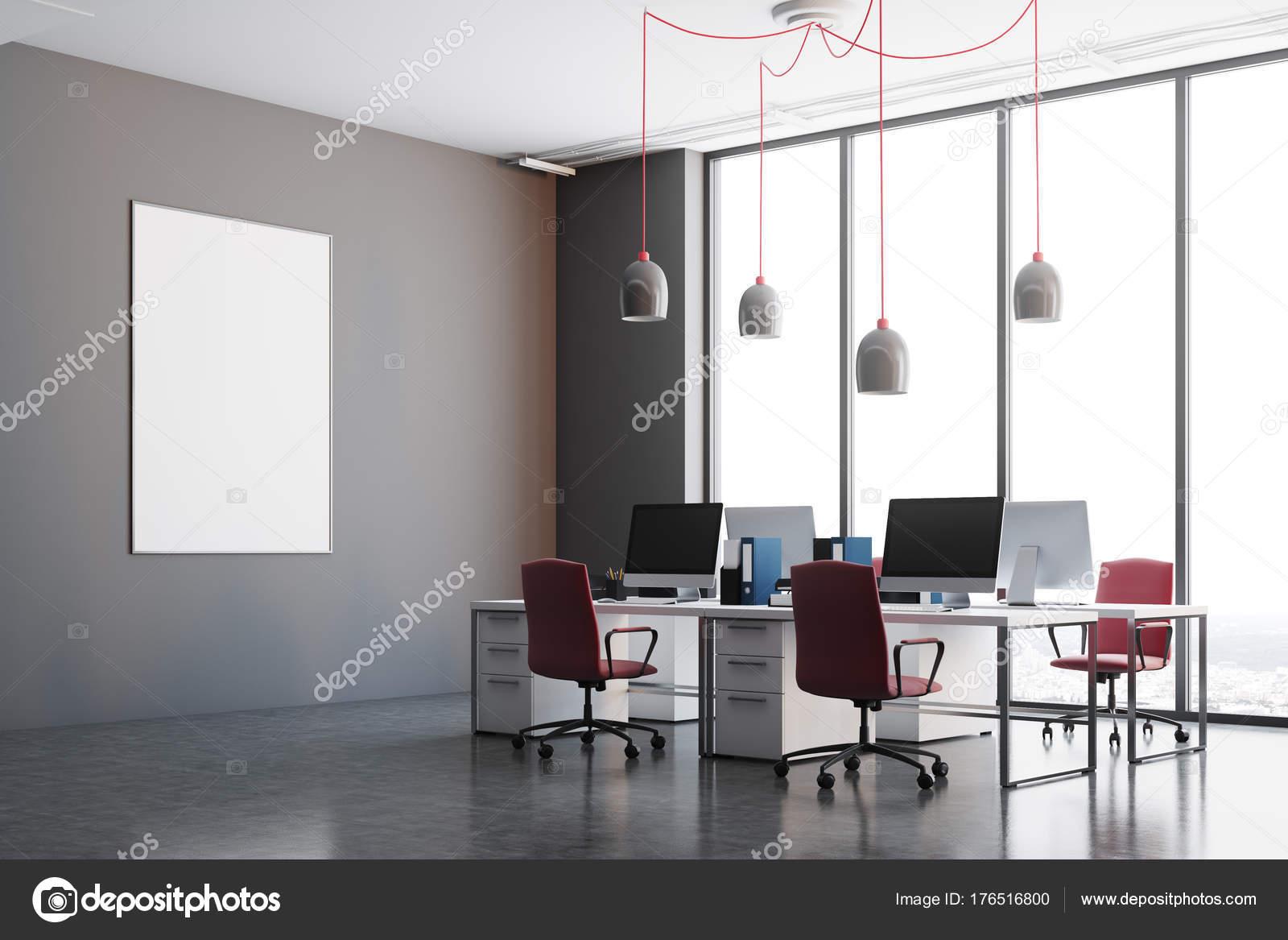 Ufficio Pavimento Grigio : Angolo ufficio grigio scuro sedie rosse poster u foto stock