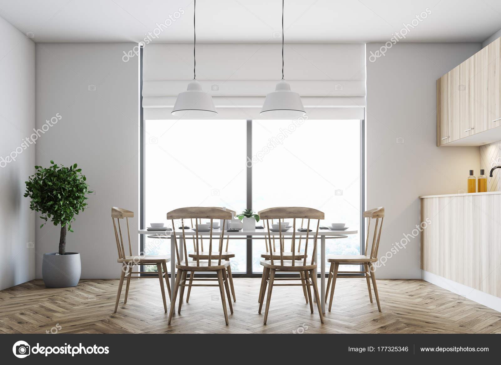 Witte eetkamer, houten stoelen — Stockfoto © denisismagilov #177325346