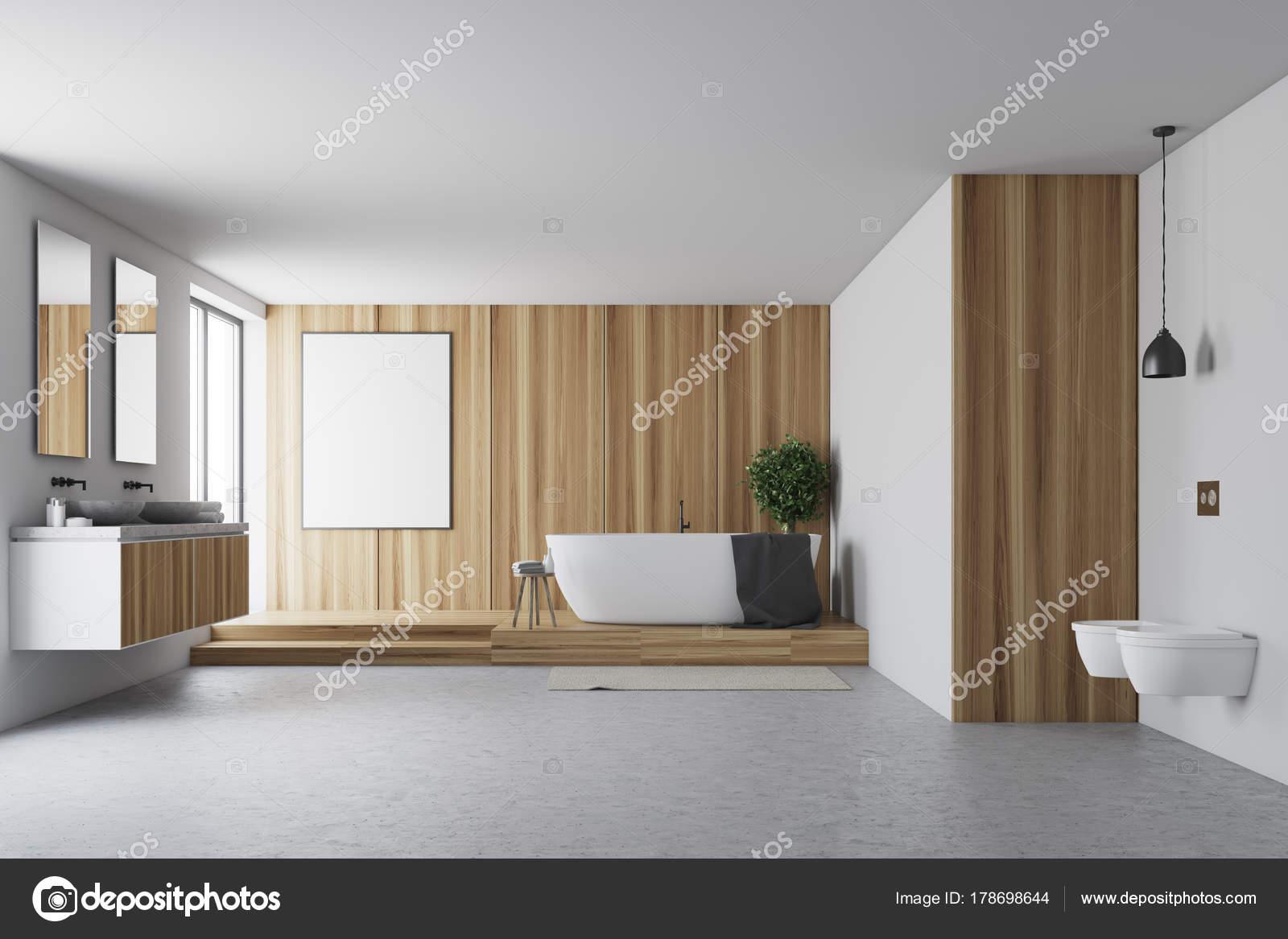 Bagno Legno E Bianco : Bagno in legno e bianco u foto stock denisismagilov