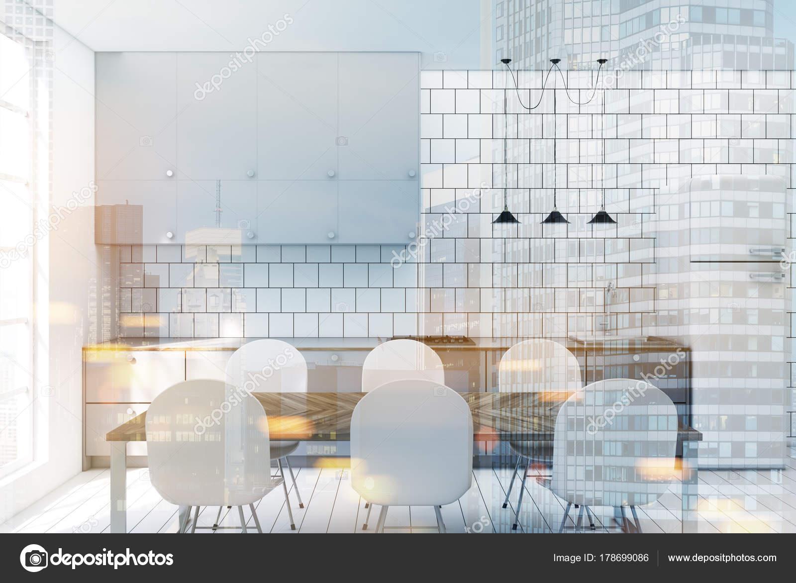 Cucina controsoffitto grigio tonico con piastrelle bianche u2014 foto