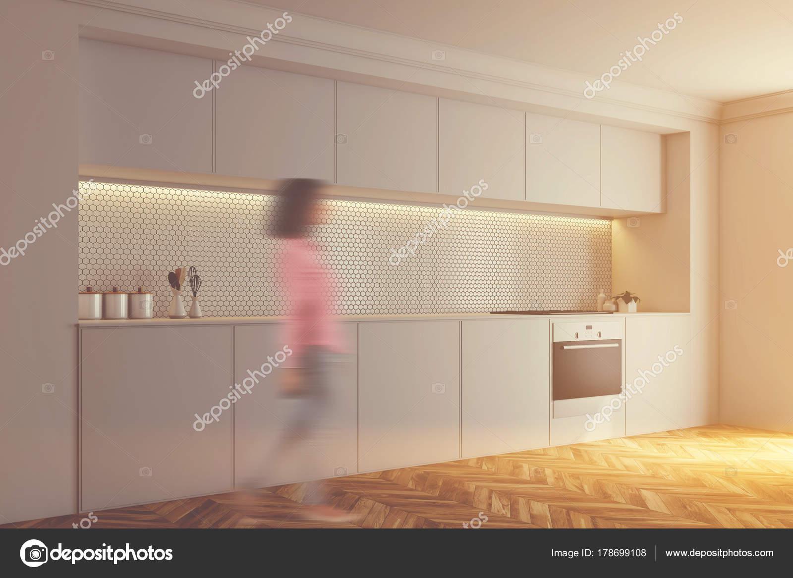 Cucina, forno, lato con piastrelle bianche tonica — Foto Stock ...