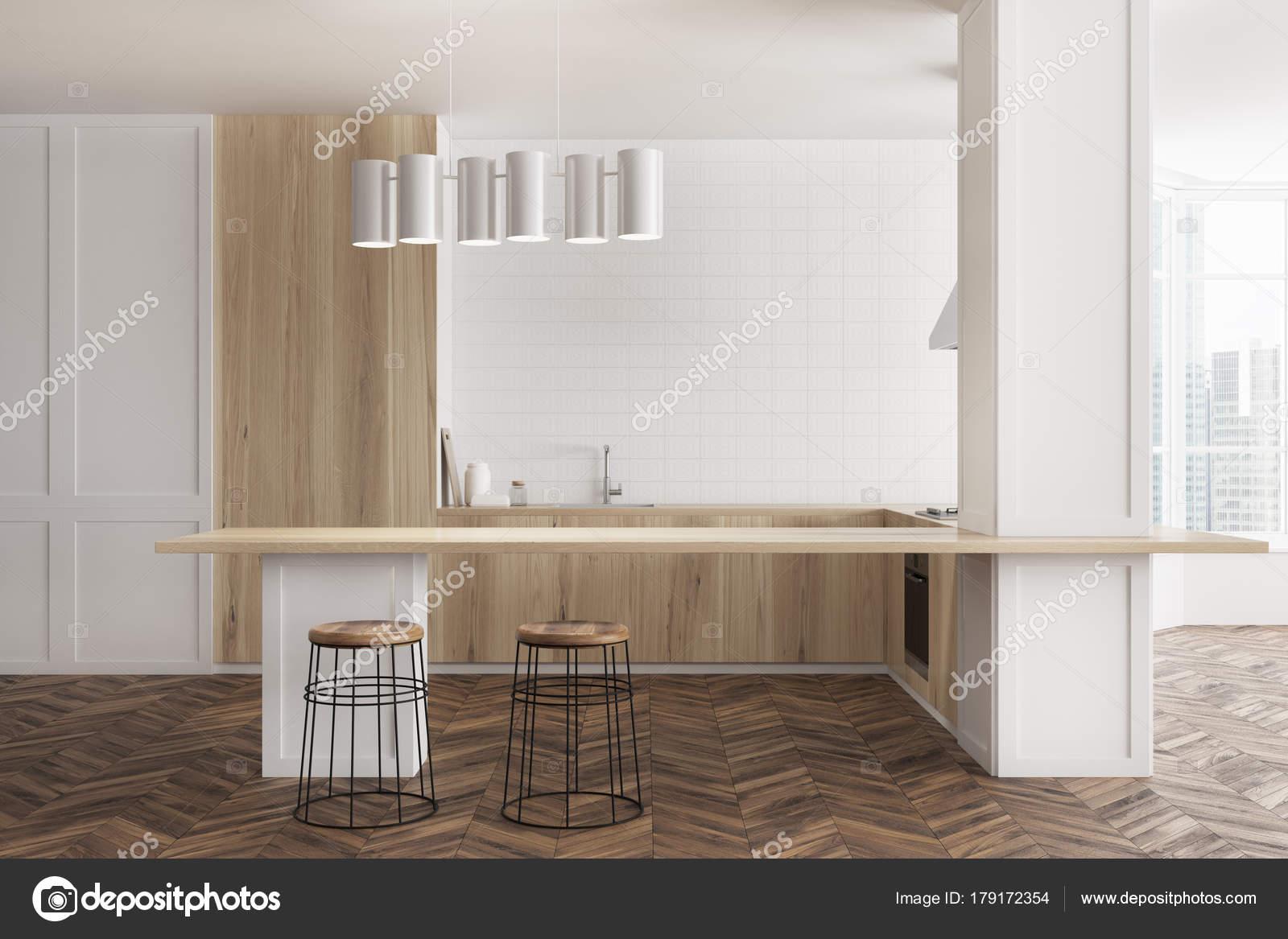 Cucina bianca e in legno, bar — Foto Stock © denisismagilov #179172354