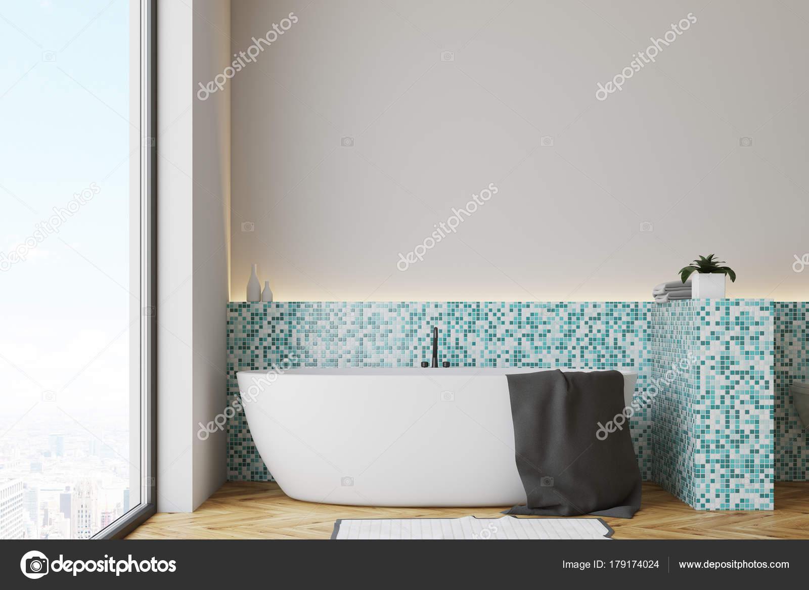 Mattonelle Bagno Verde Acqua : Vasca da bagno bianco verde delle mattonelle u foto stock