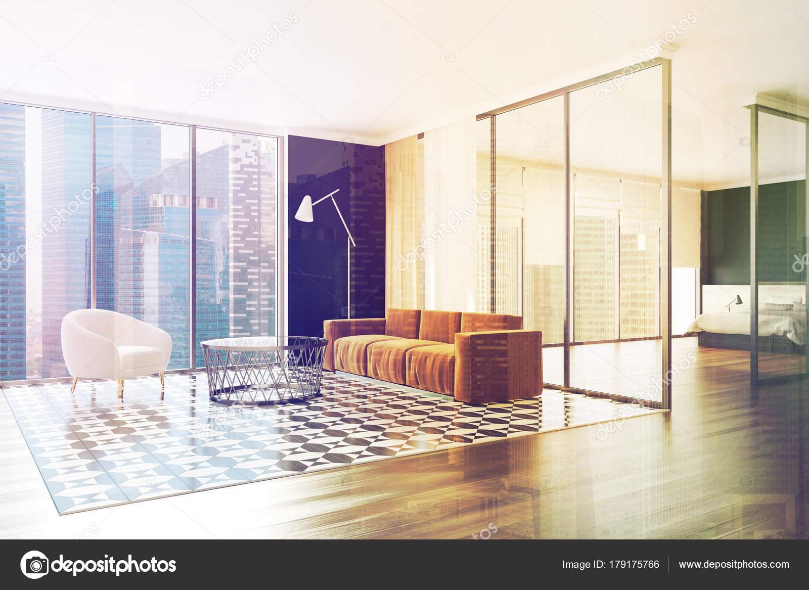 Divano marrone soggiorno e angolo cottura doppia — Foto ...