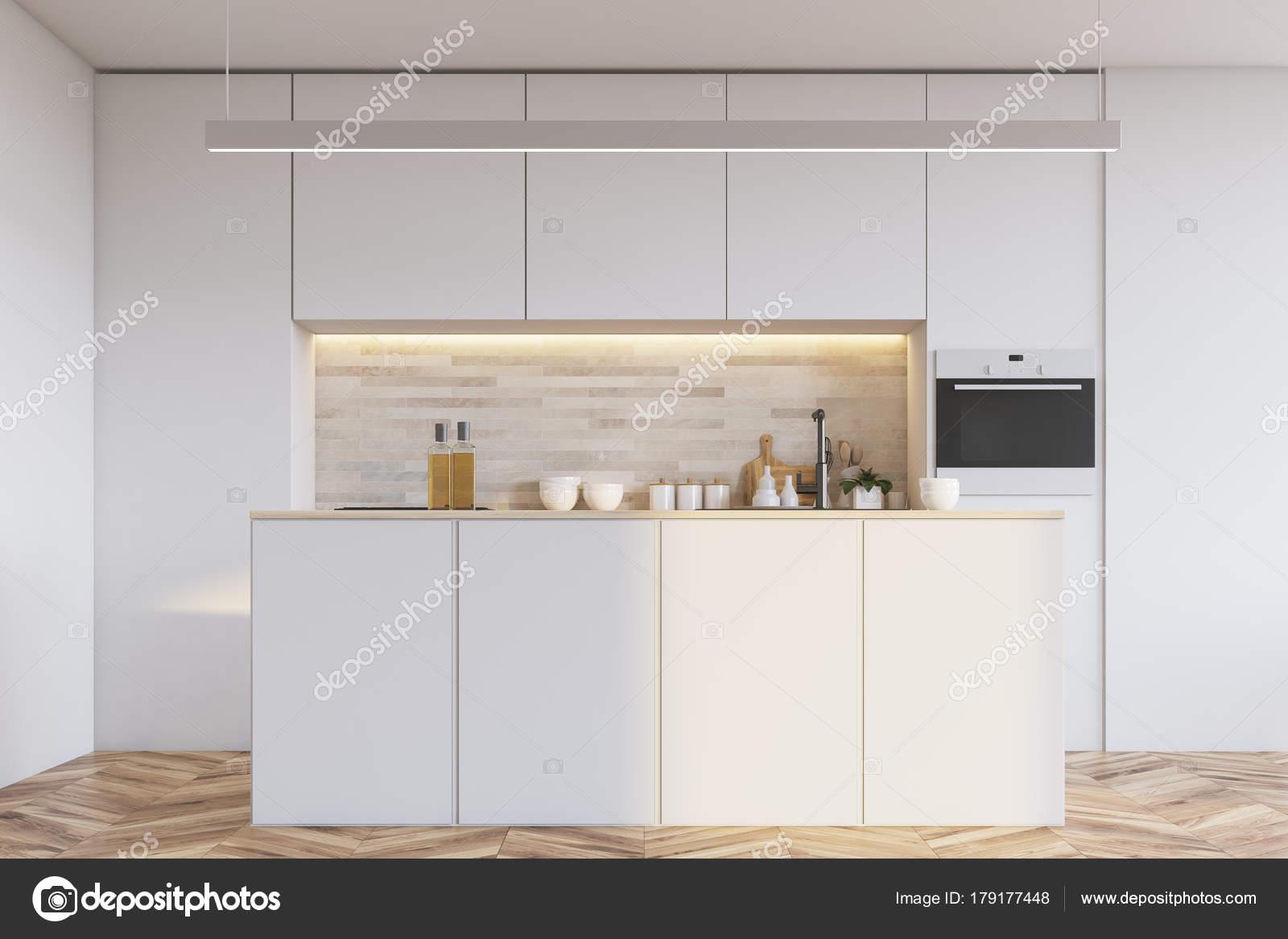 Biała Kuchnia Z Barem Zdjęcie Stockowe Denisismagilov 179177448