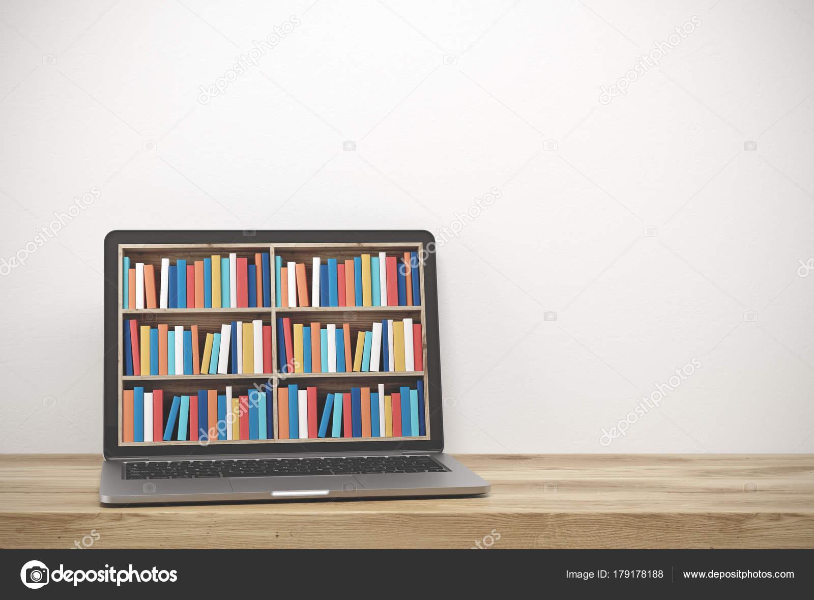 Ordinateur portable avec étagères sur écran bureau en bois