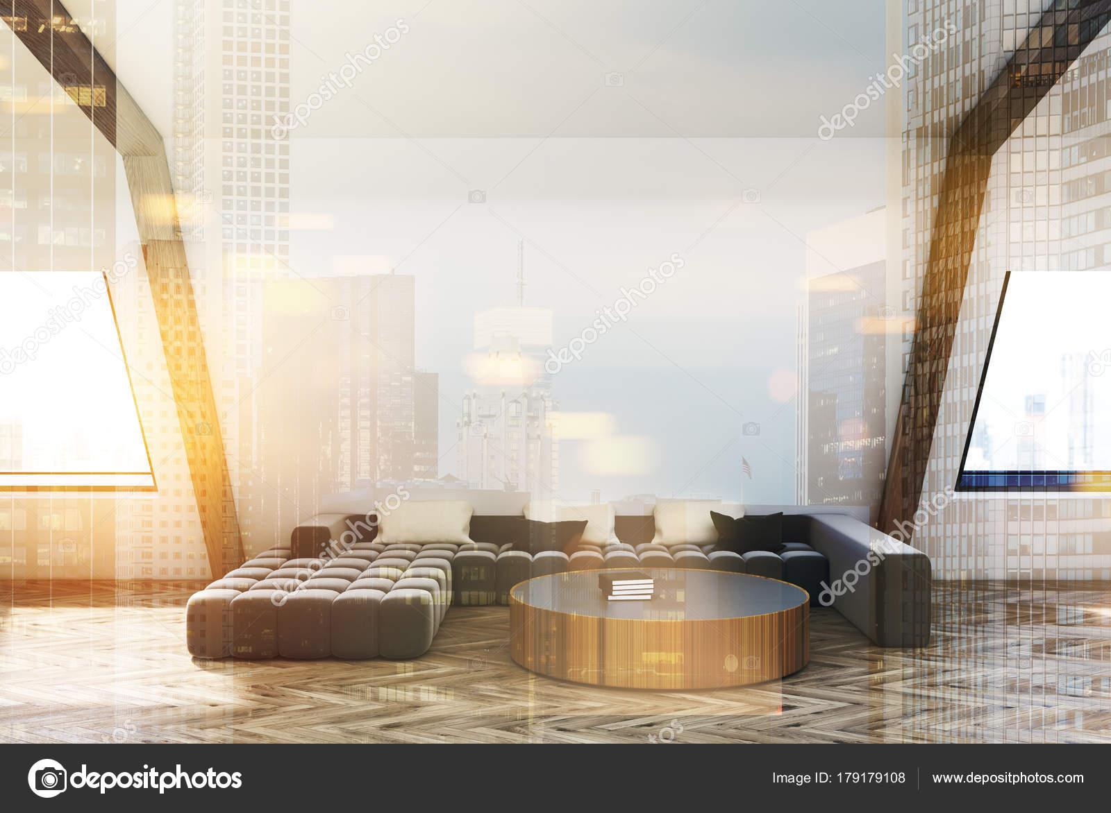 Woonkamer Op Zolder : Zolder woonkamer grijze bank koffietafel toned u2014 stockfoto