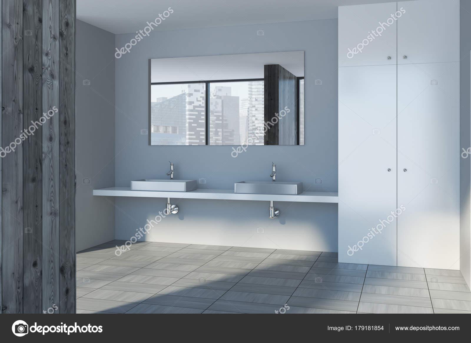https://st3.depositphotos.com/2673929/17918/i/1600/depositphotos_179181854-stockafbeelding-houten-badkamer-interieur-dubbele-wastafel.jpg