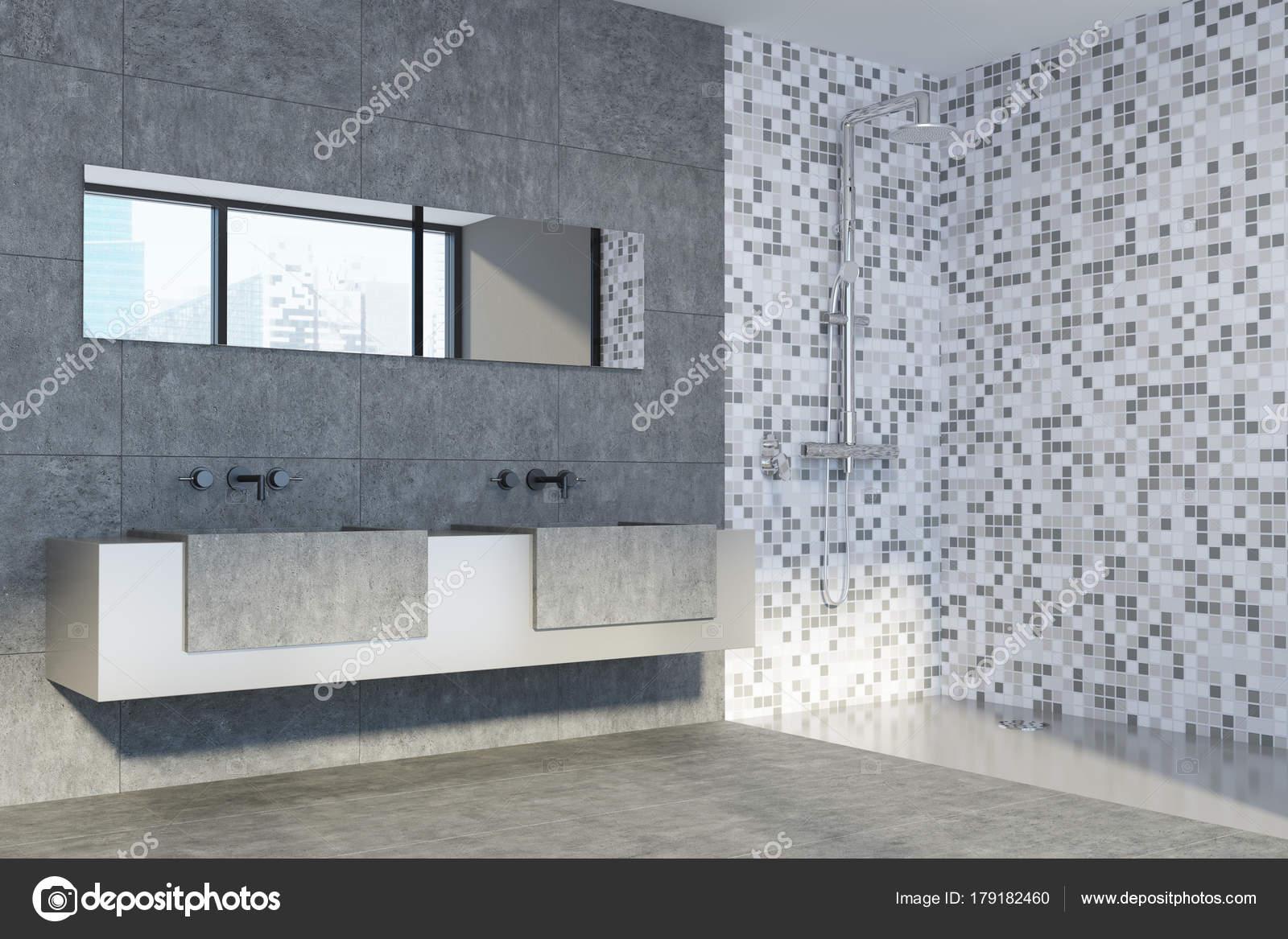 Betonnen en betegelde badkamer, dubbele wastafel — Stockfoto ...