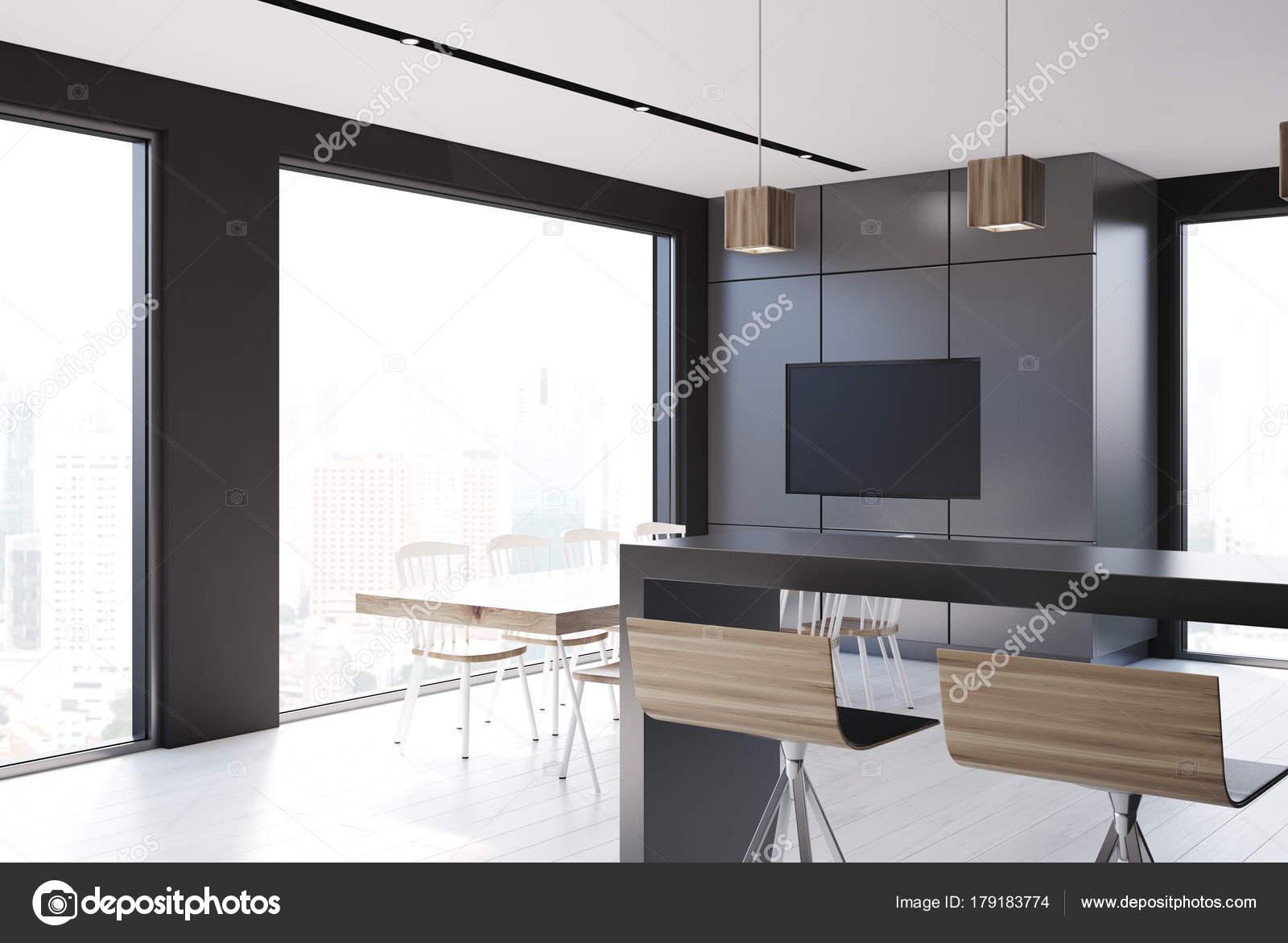 Tv In Keuken : Grijze tegel en zwarte keuken tv u stockfoto denisismagilov