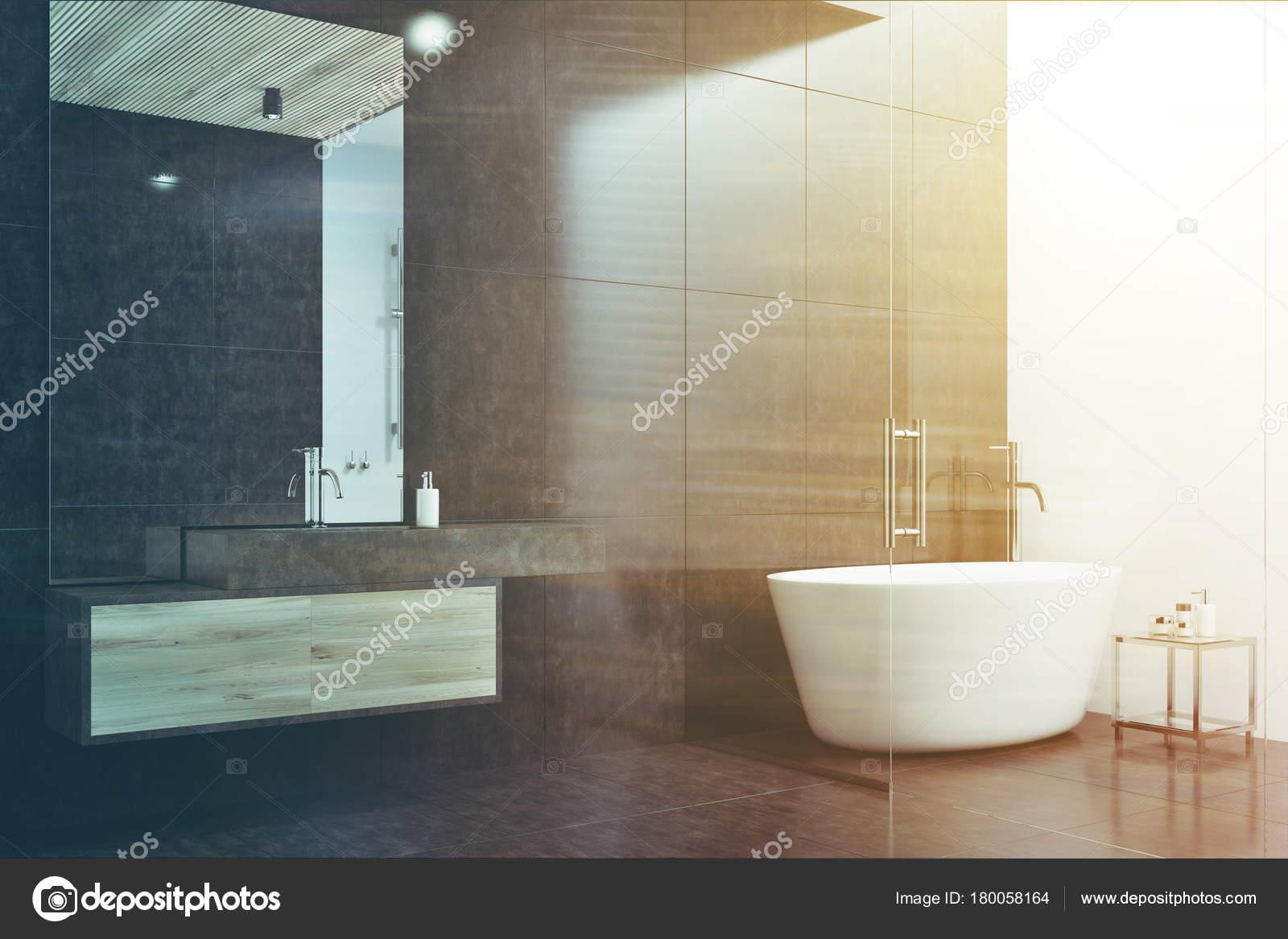 Zwart-wit badkamer hoek toned — Stockfoto © denisismagilov #180058164