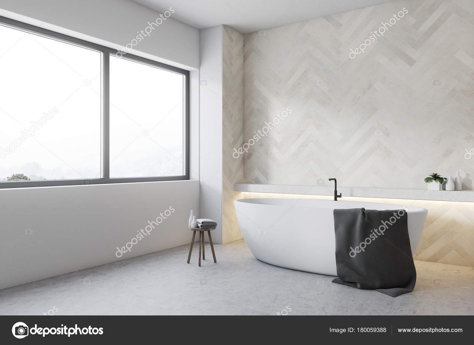 Witte houten badkamer hoek, Ronde kuip — Stockfoto © denisismagilov ...
