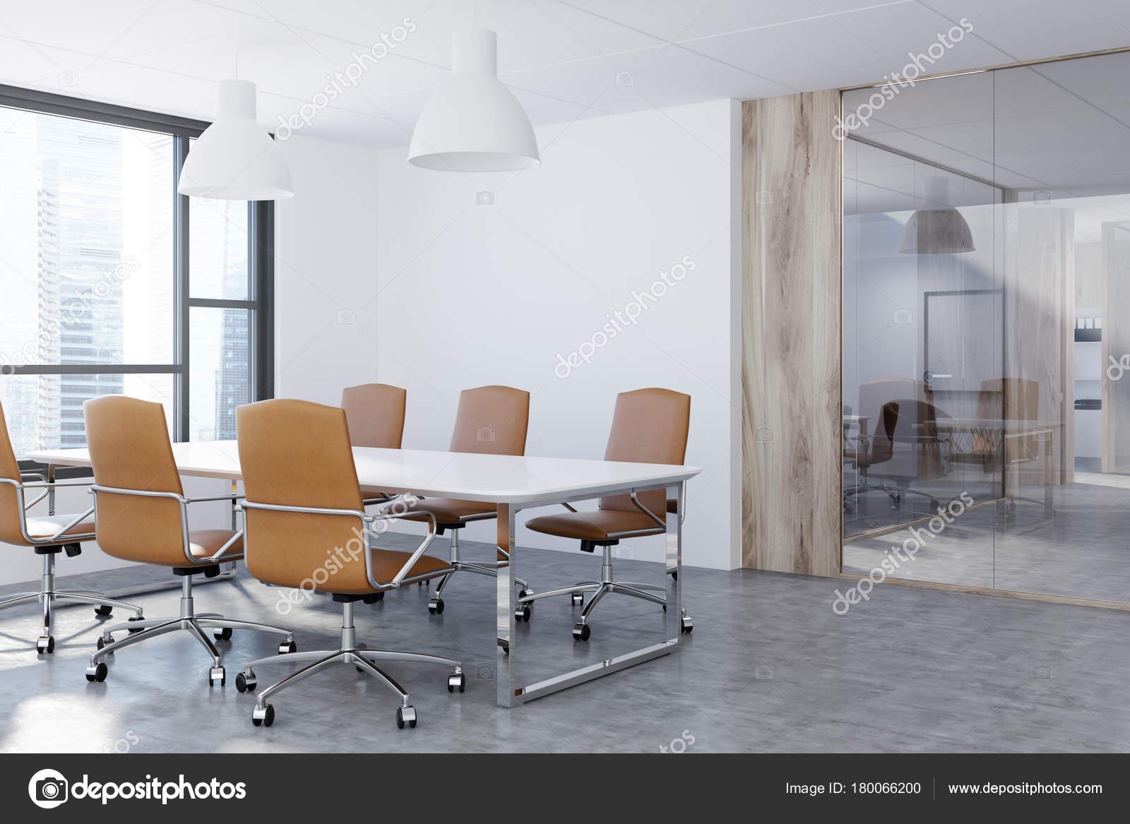 Wit en glas vergadering kamer hoek u stockfoto denisismagilov