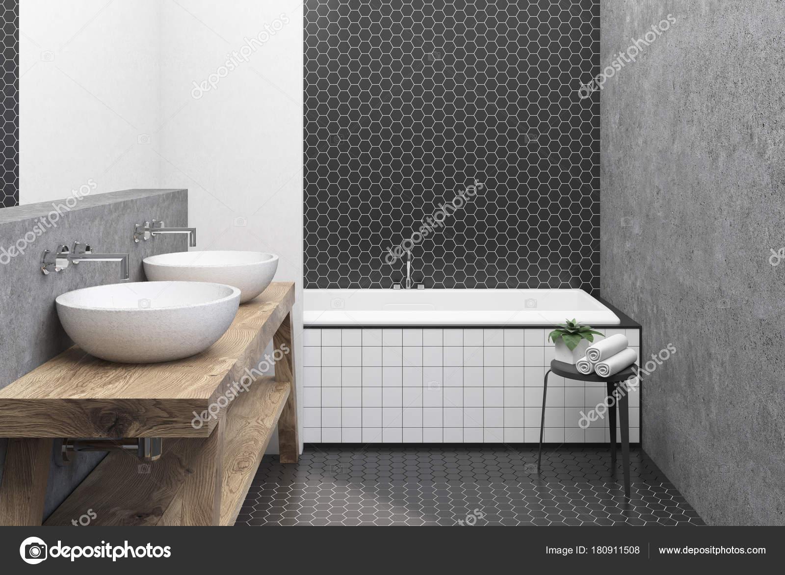 Esagono piastrelle bianca e nera bagno vasca idromassaggio u2014 foto