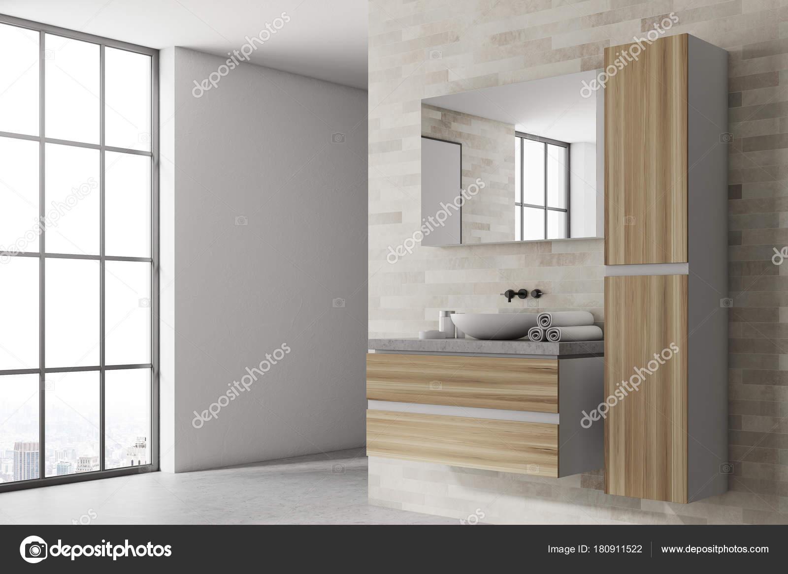 De badkamer van witte en houten hoek — Stockfoto © denisismagilov ...