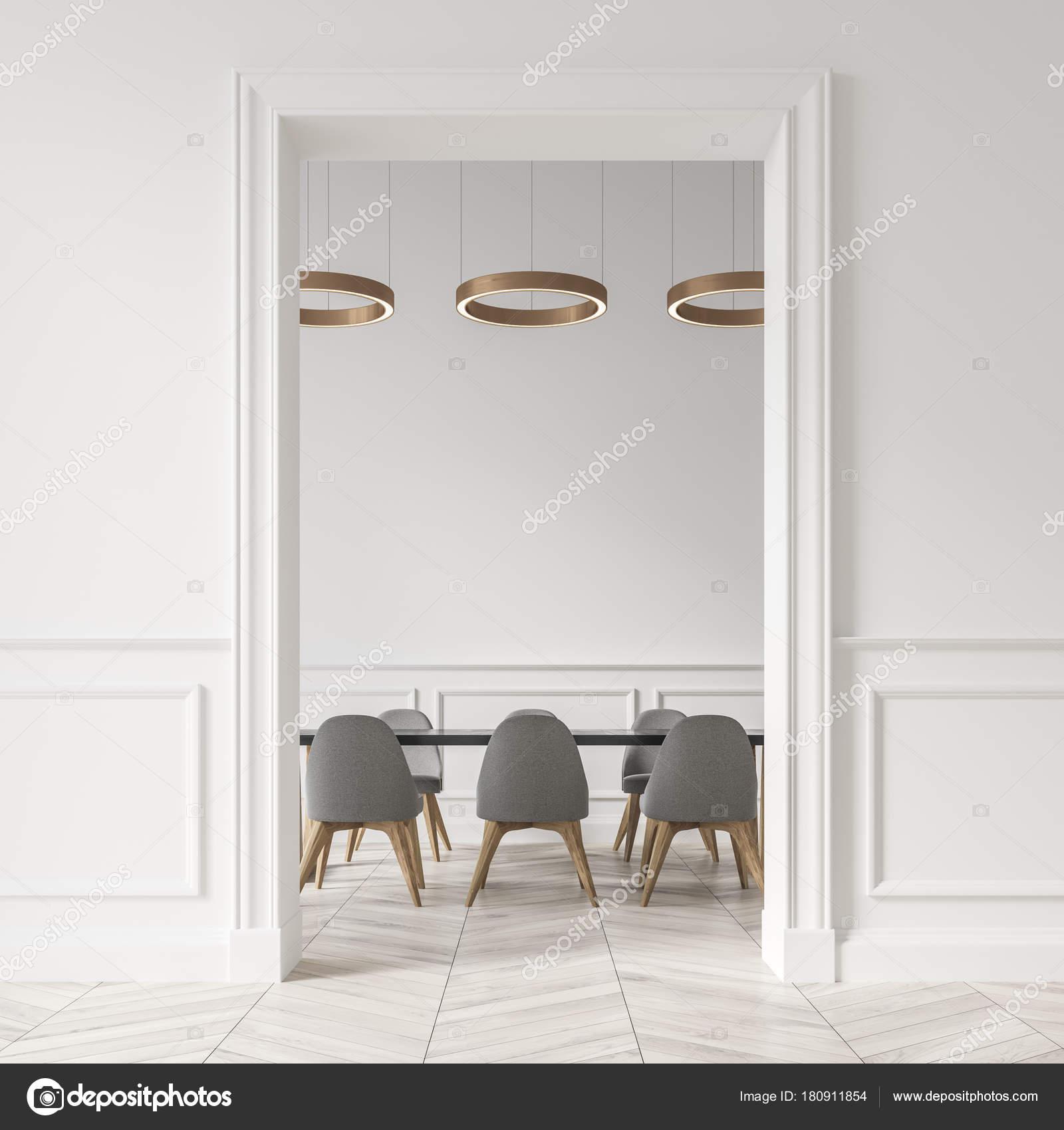 Witte eetkamer, grijze stoelen — Stockfoto © denisismagilov #180911854