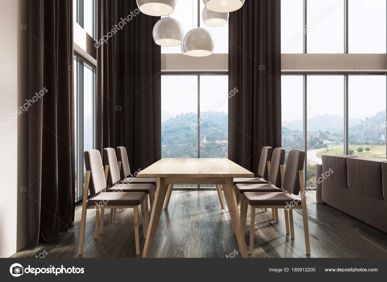 witte eetkamer zwarte gordijnen donkere kant stockfoto