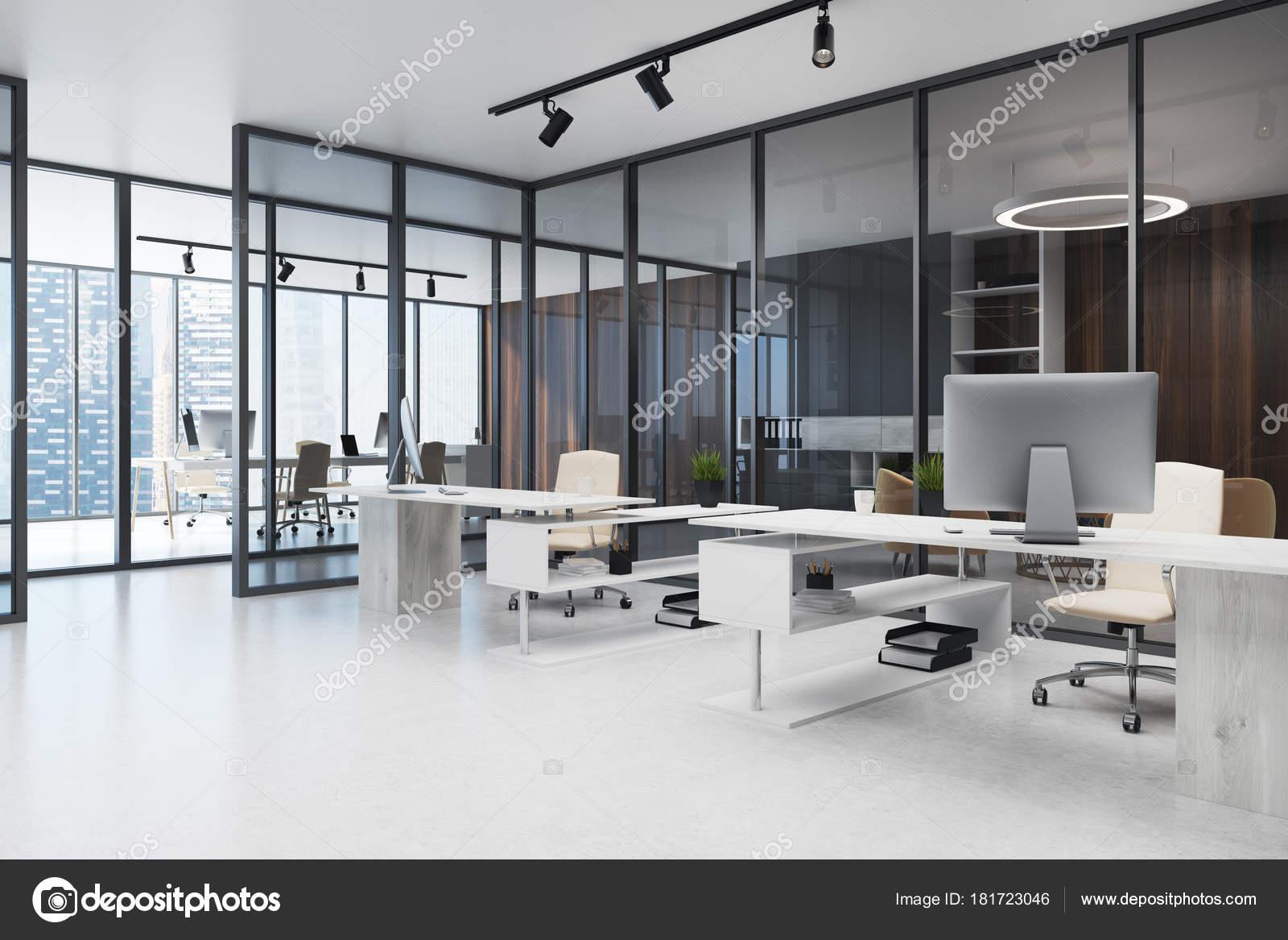 Oficina de espacio abierto de pared de vidrio oscuro for Oficinas enterprise
