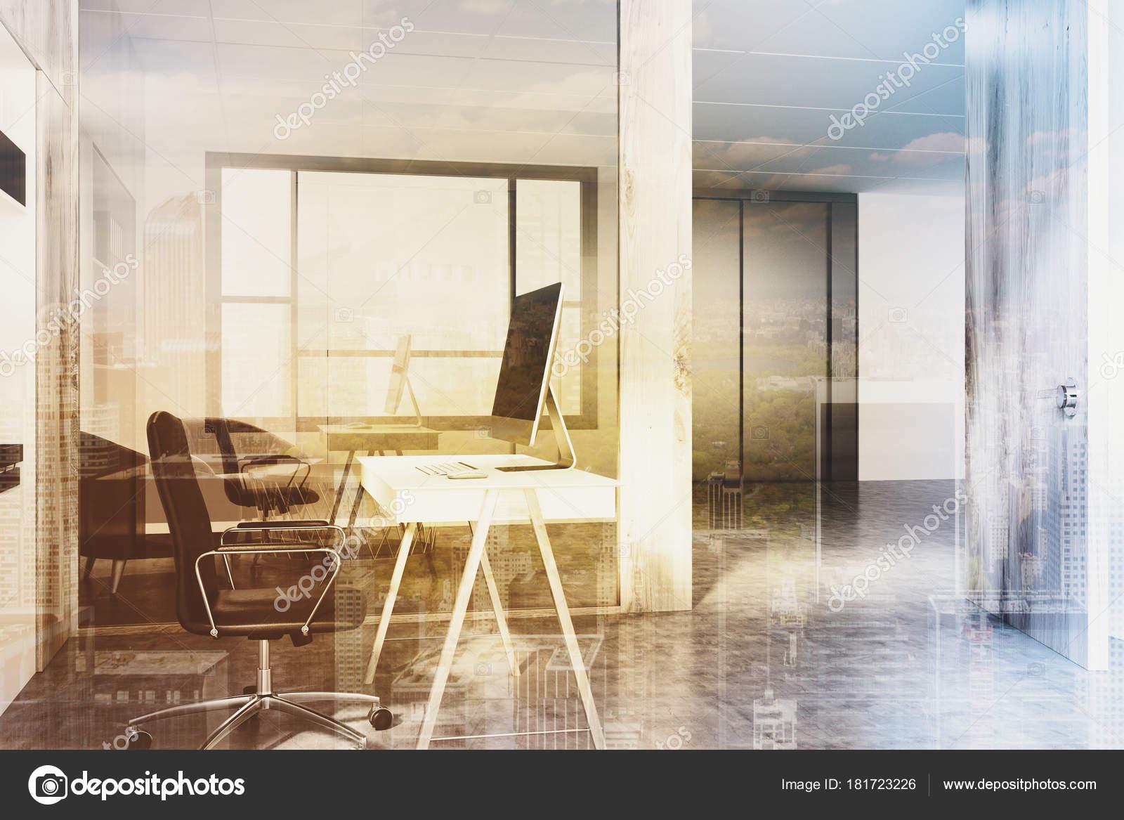 Ufficio Bianco E Legno : Angolo ufficio open space bianco e legno tonica u foto stock
