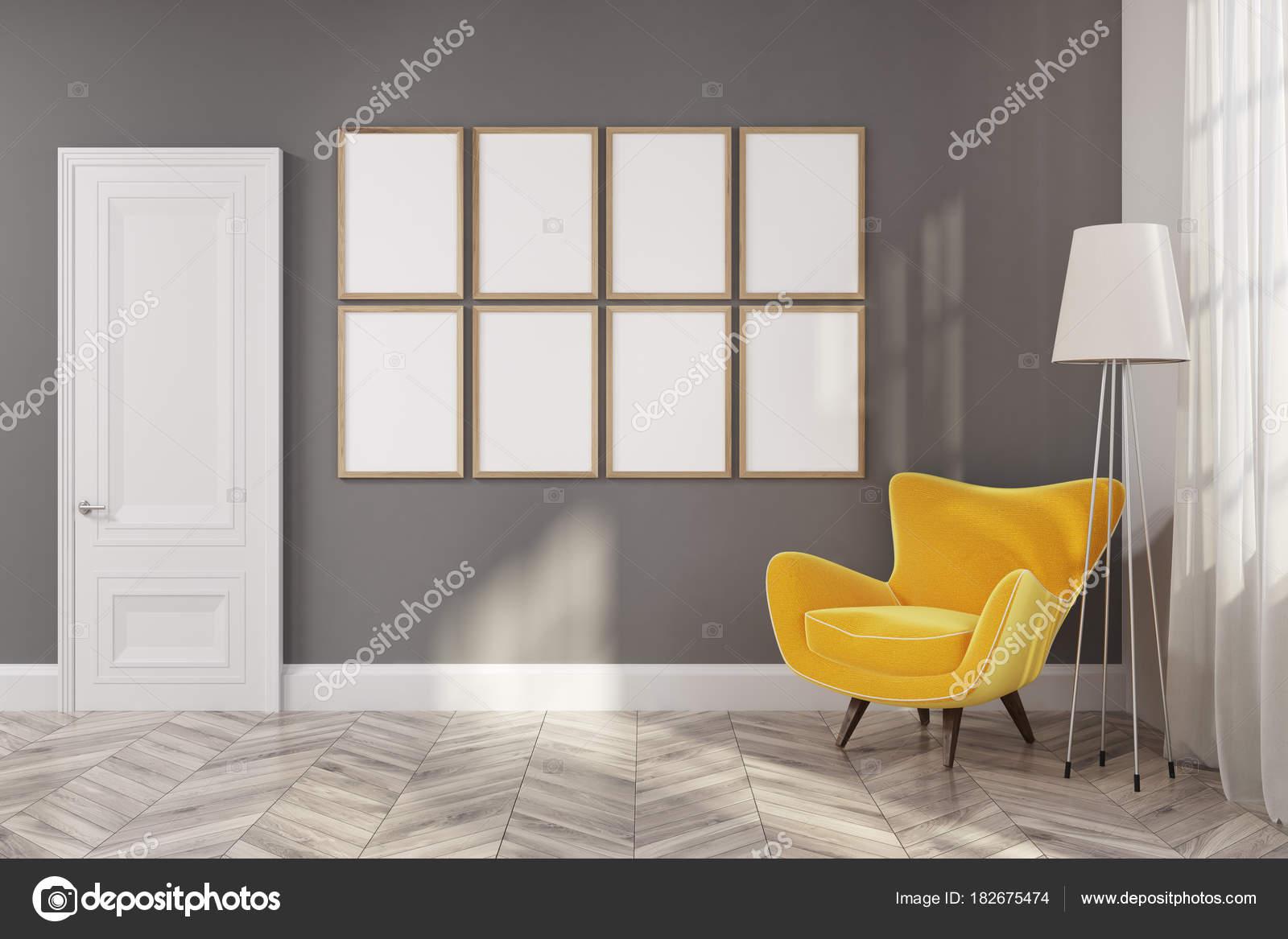 Wohnzimmer Galerie Gelbe Sessel Stockfoto Denisismagilov 182675474