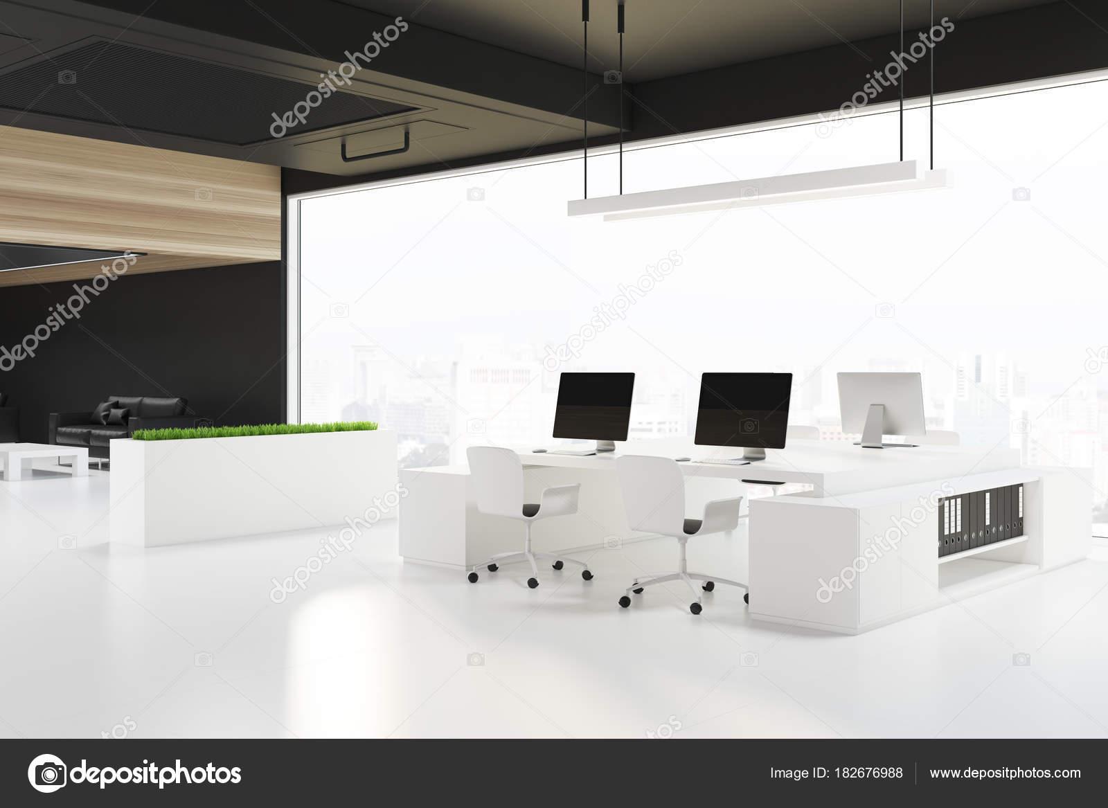 Coin de bureau loft espace ouvert un plafond noir u2014 photographie