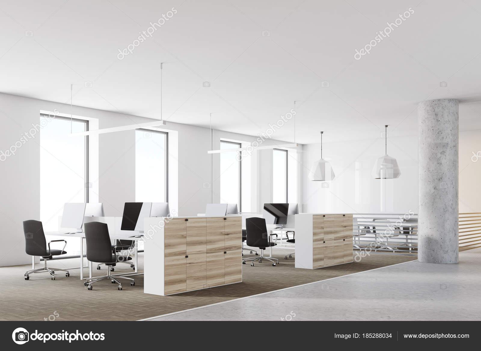 Ufficio Bianco E Legno : Angolo ufficio loft in legno e bianco u foto stock