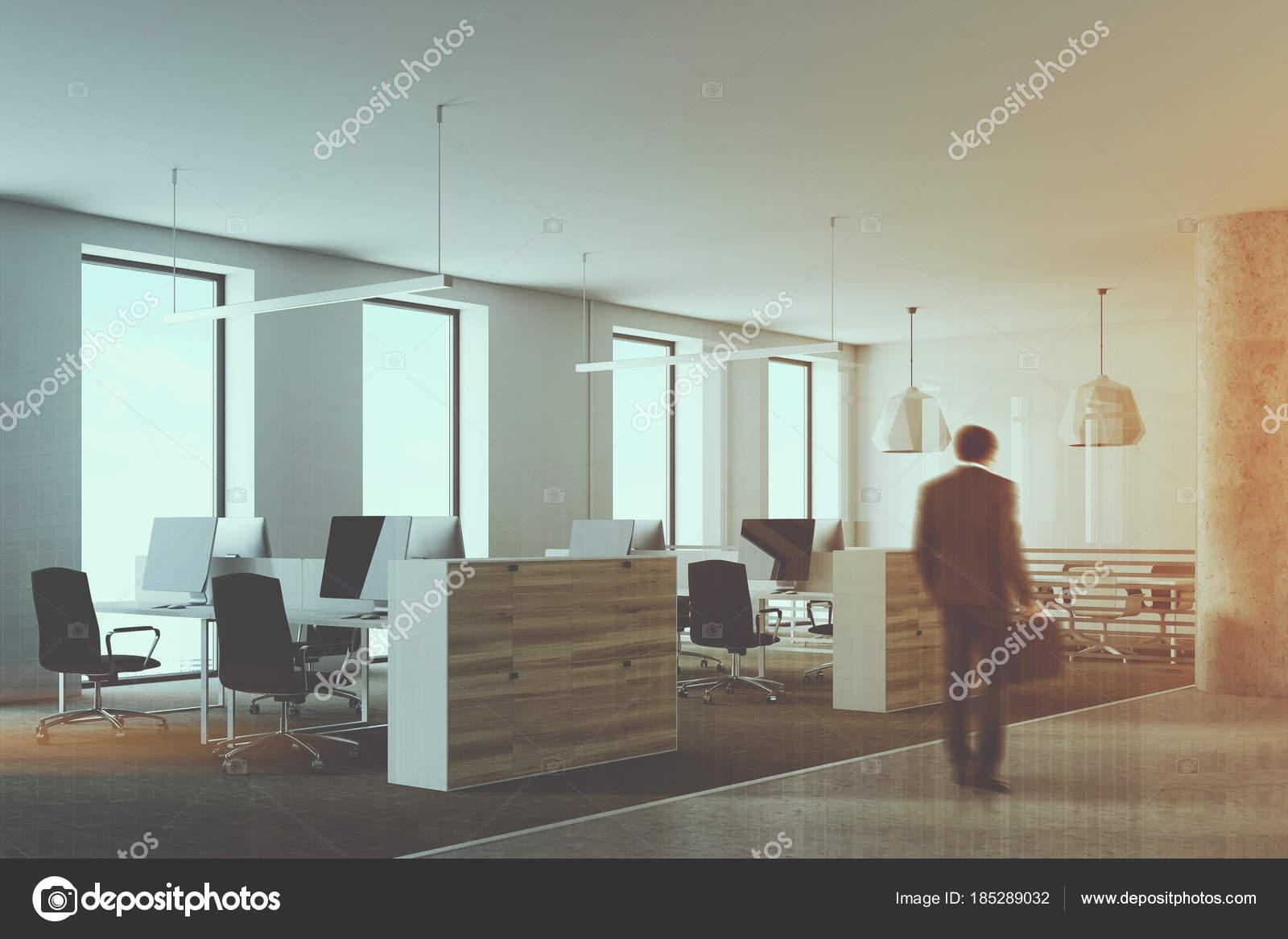 Coin bureau loft blanc et en bois aux tons u photographie