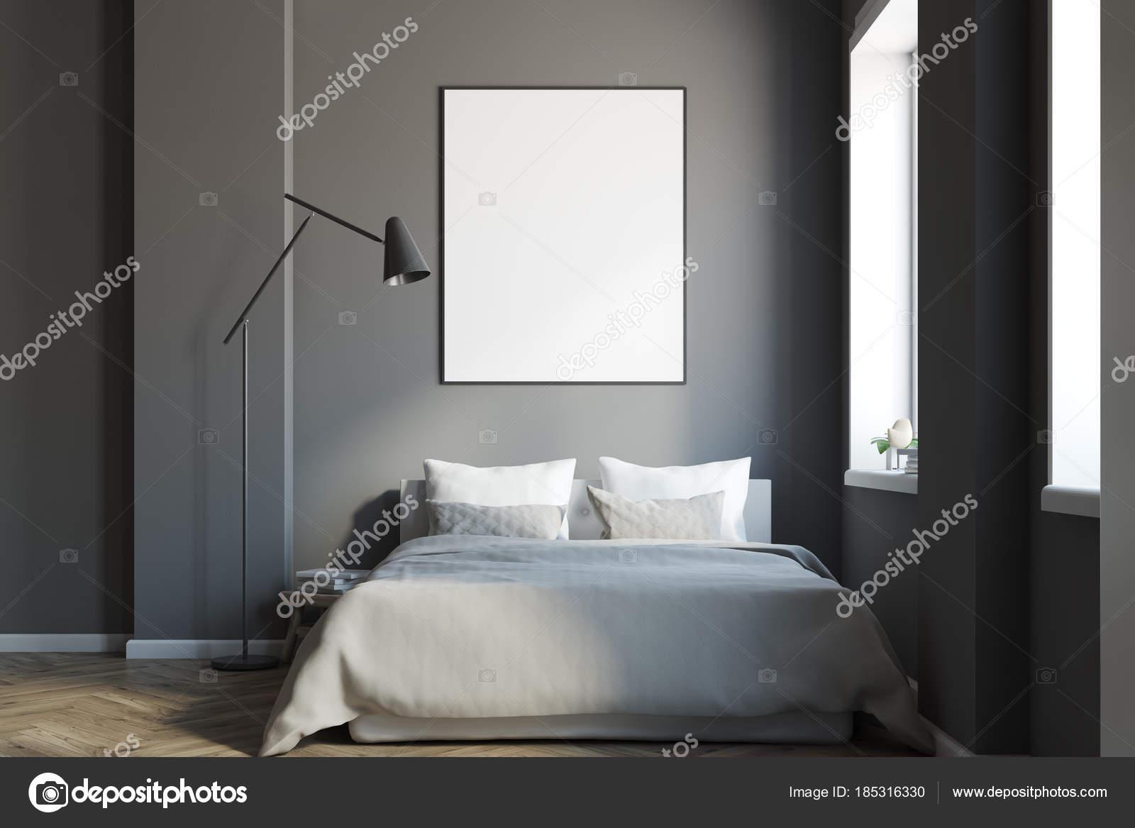 Letto Grigio Scuro : Interno di camera da letto grigio scuro con un manifesto u2014 foto