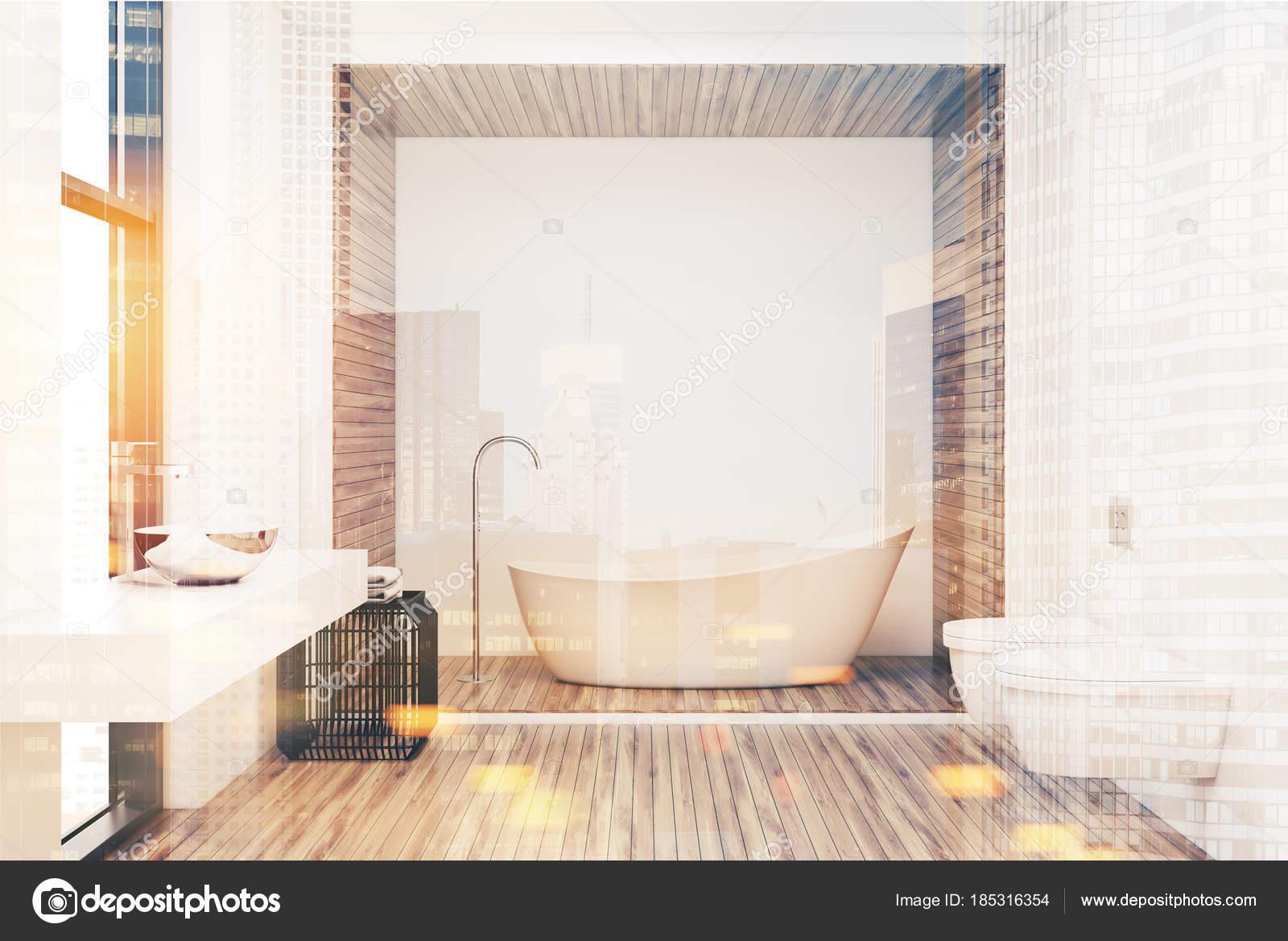 Bagno Legno Bianco : Bianco vasca in bagno bianco e legno tonico u foto stock