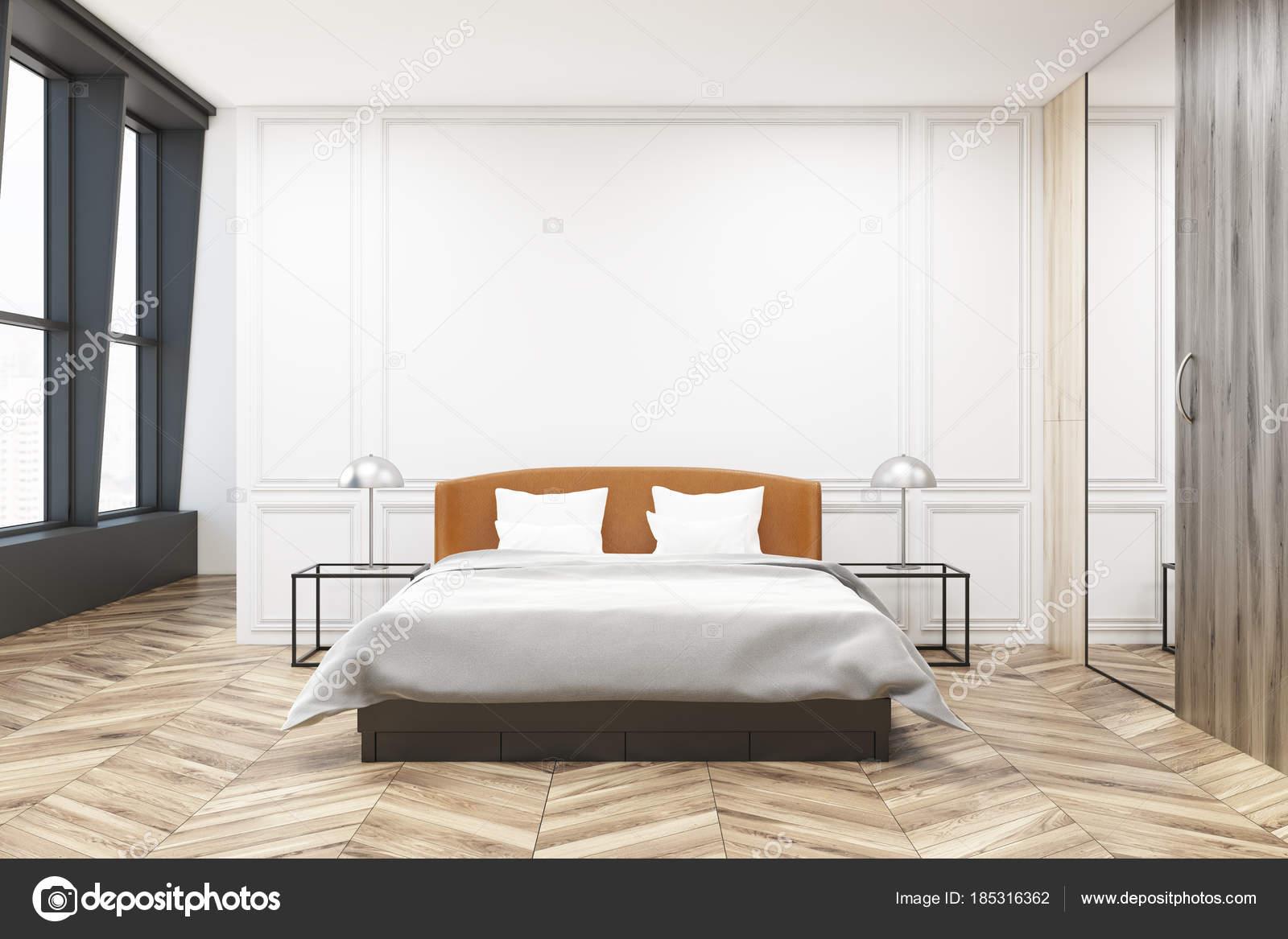 Slaapkamer Met Kledingkast : Stijlvolle slaapkamer interieur kledingkast u stockfoto