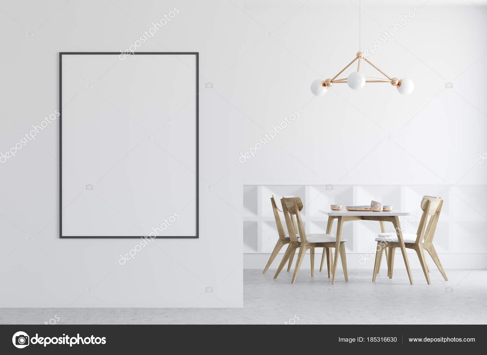 Witte Houten Eetkamerstoelen.Witte Houten Stoelen Dining Room Poster Op De Muur Stockfoto