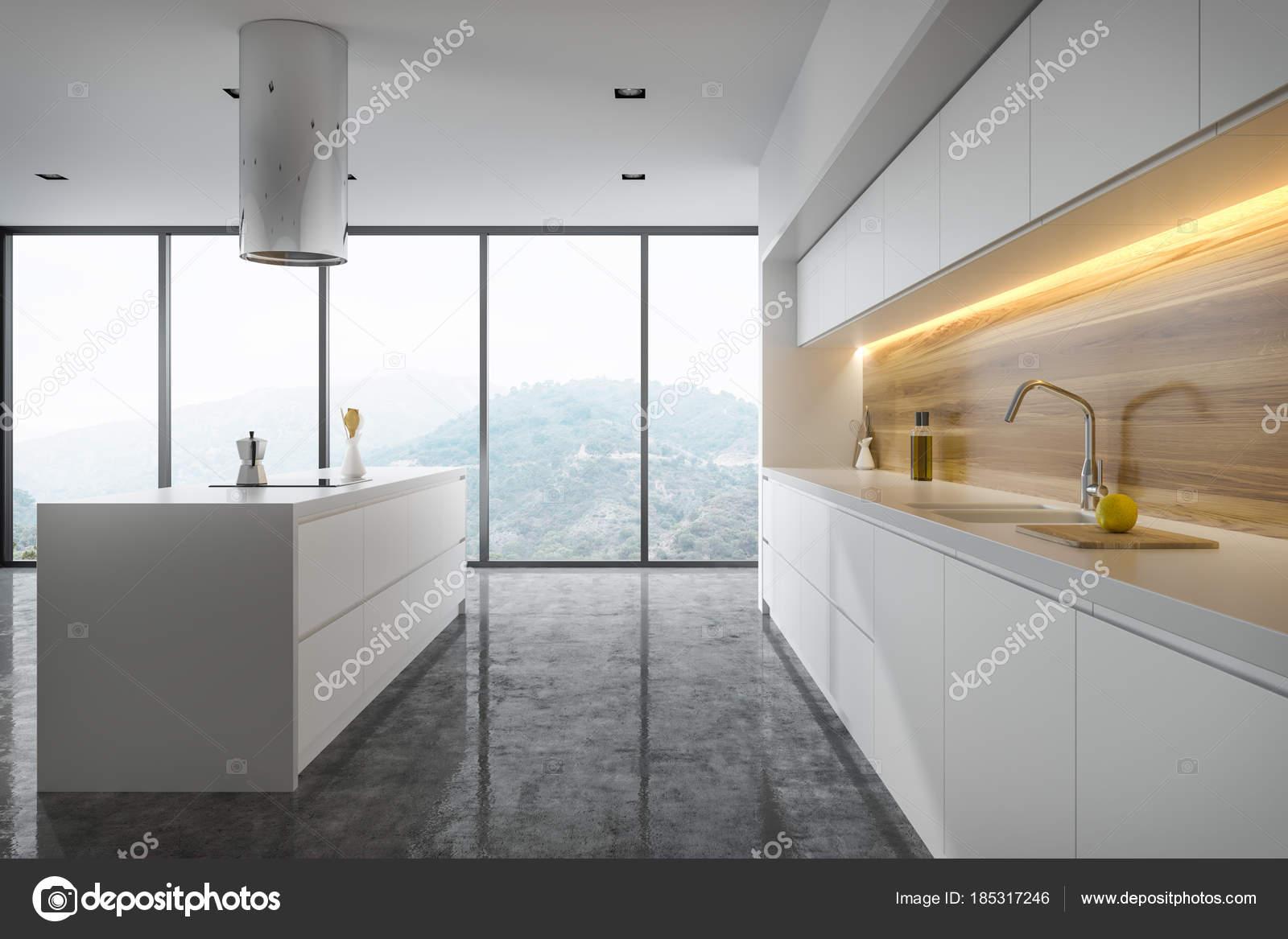 Vista Laterale Di Una Cucina Bianca E Legno Foto Stock