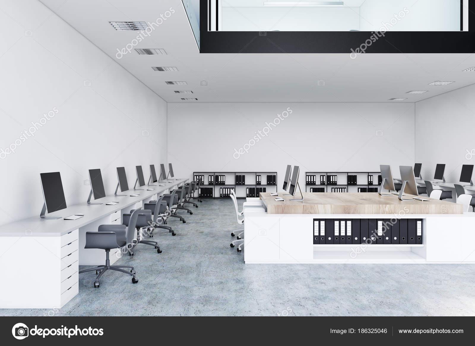 Ufficio Bianco E Legno : Bianco e legno aprire spazio ufficio due piani u foto stock