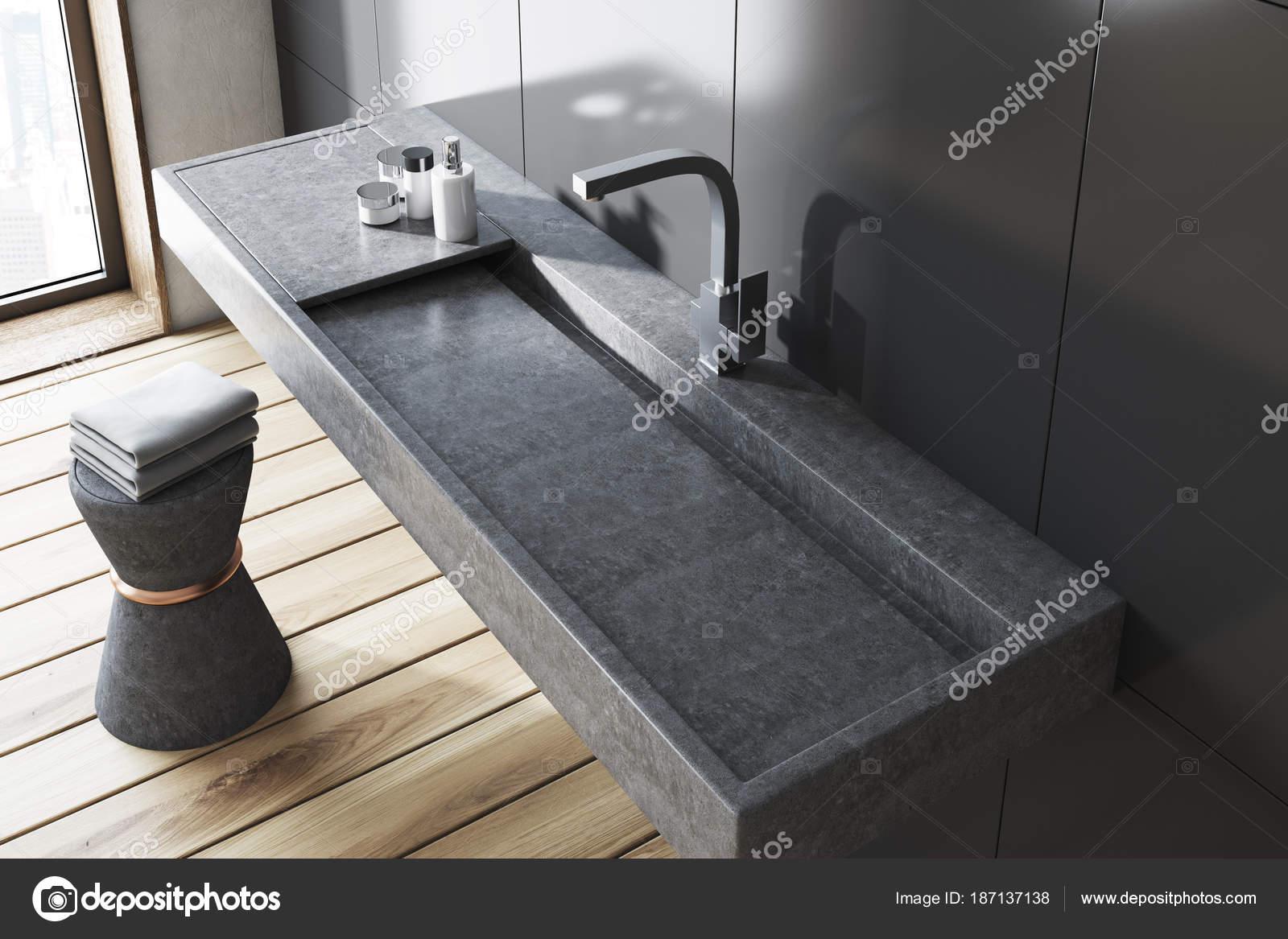 Grijze Wasbak Badkamer : Grijze badkamer grijze wastafel bovenaanzicht u stockfoto