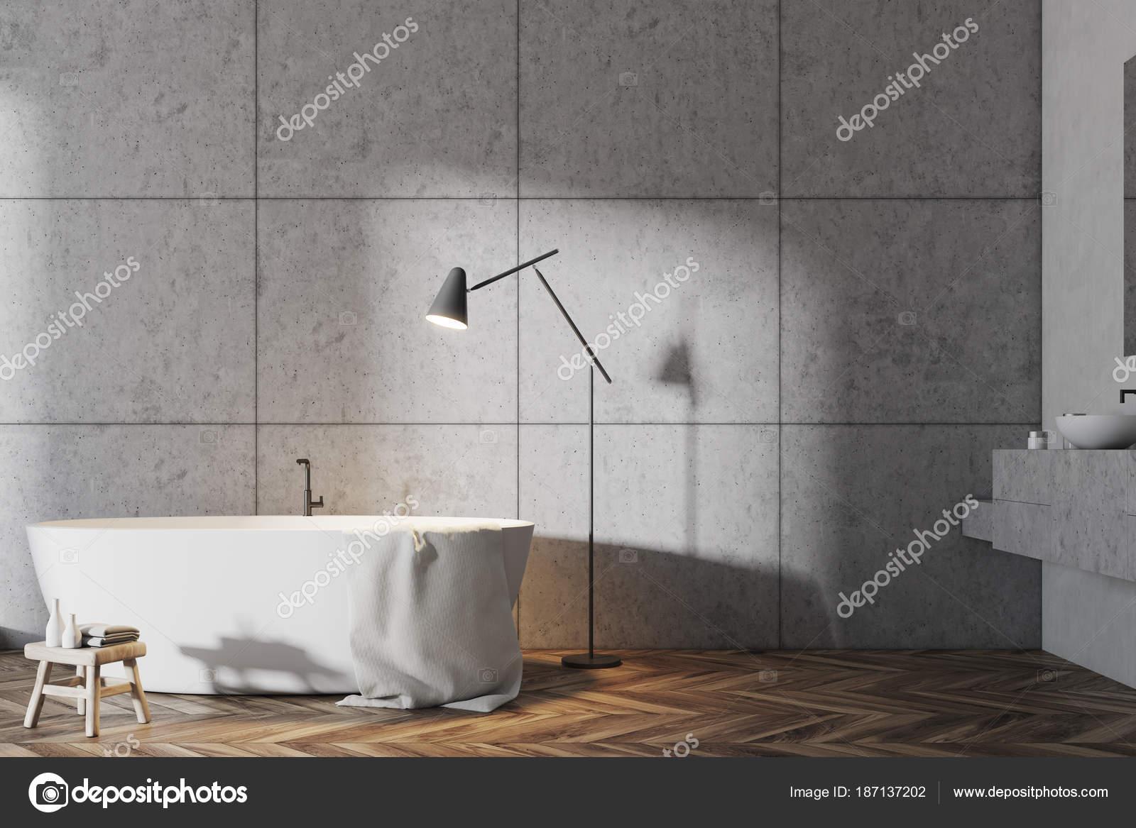 Salle de bains gris blanc, intérieur baignoire — Photographie ...