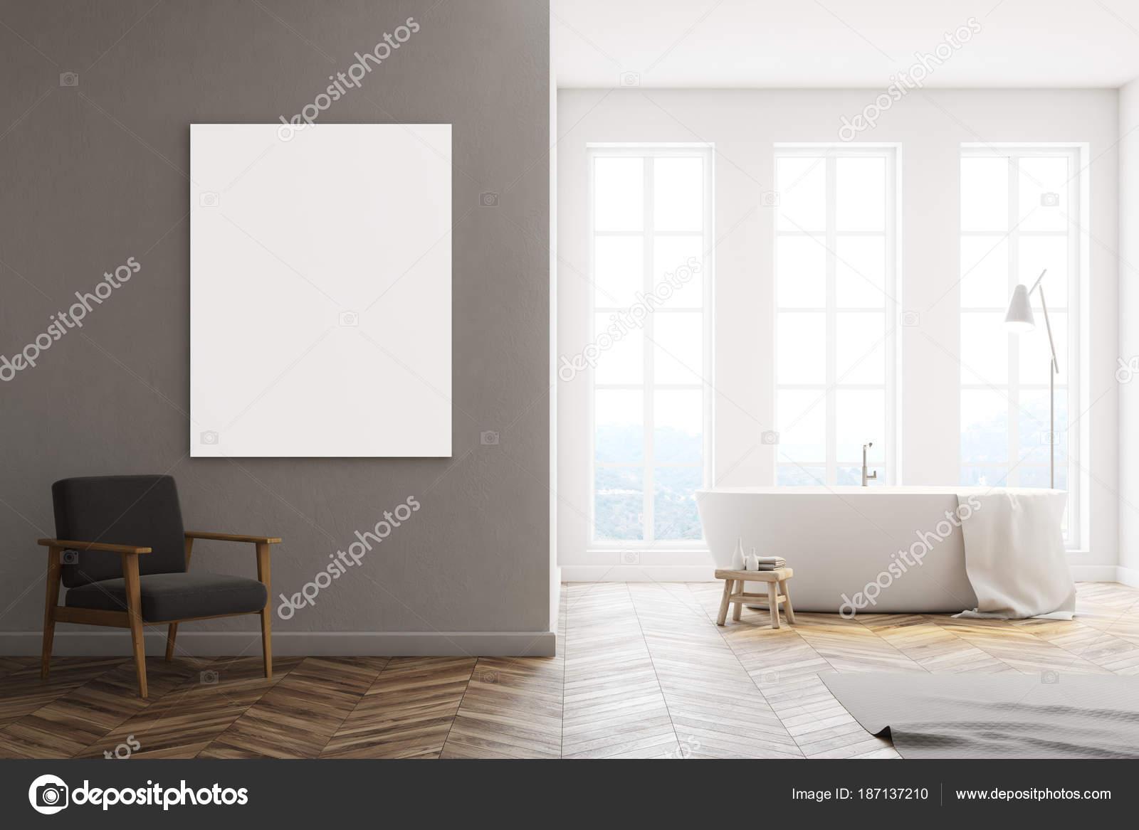 Minimalistische witte badkamer poster arnchair u stockfoto