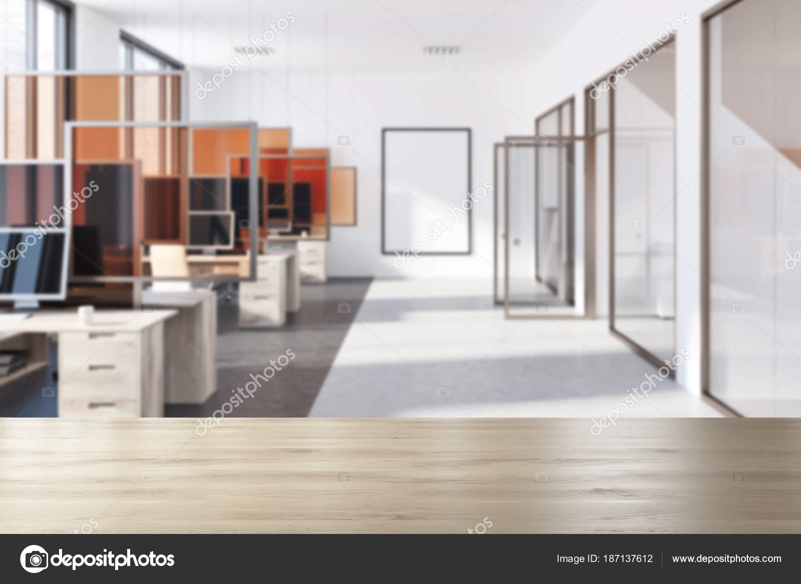 Modernes büro poster glas türen unschärfe u stockfoto