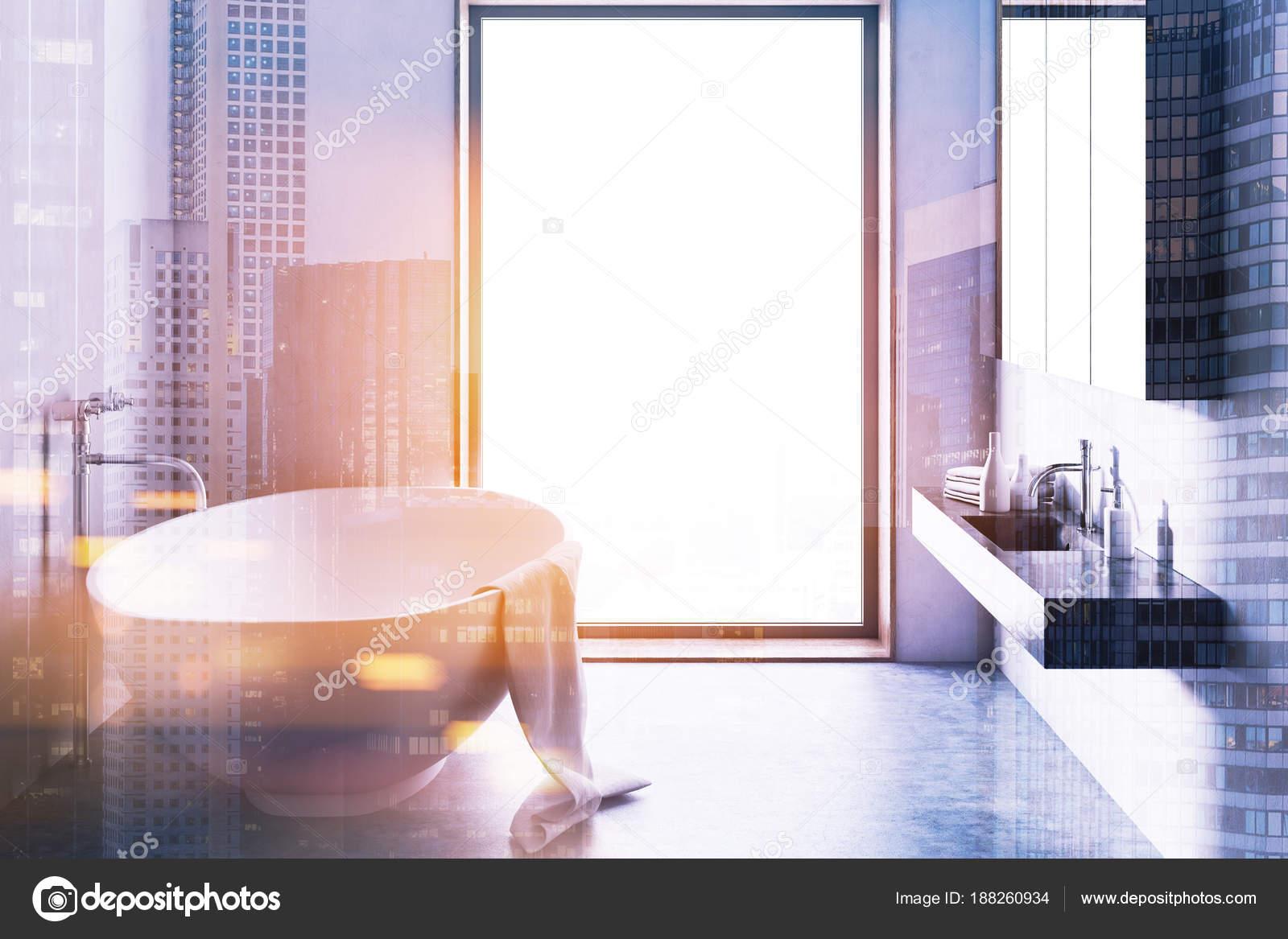 Loft badkamer, betonnen vloer toned — Stockfoto © denisismagilov ...