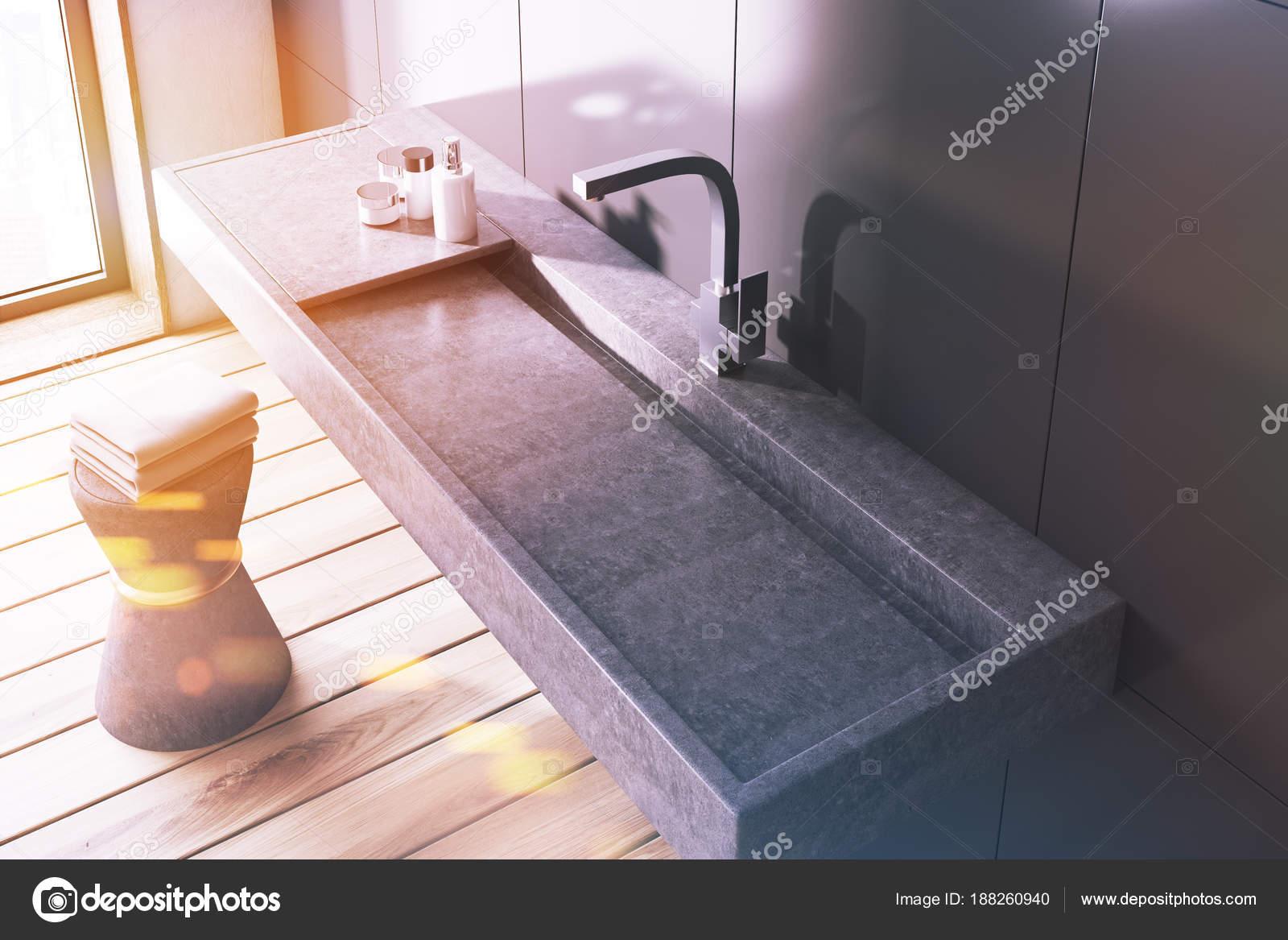 Grijze Wasbak Badkamer : Grijze badkamer grijze wastafel bovenaanzicht toned u stockfoto