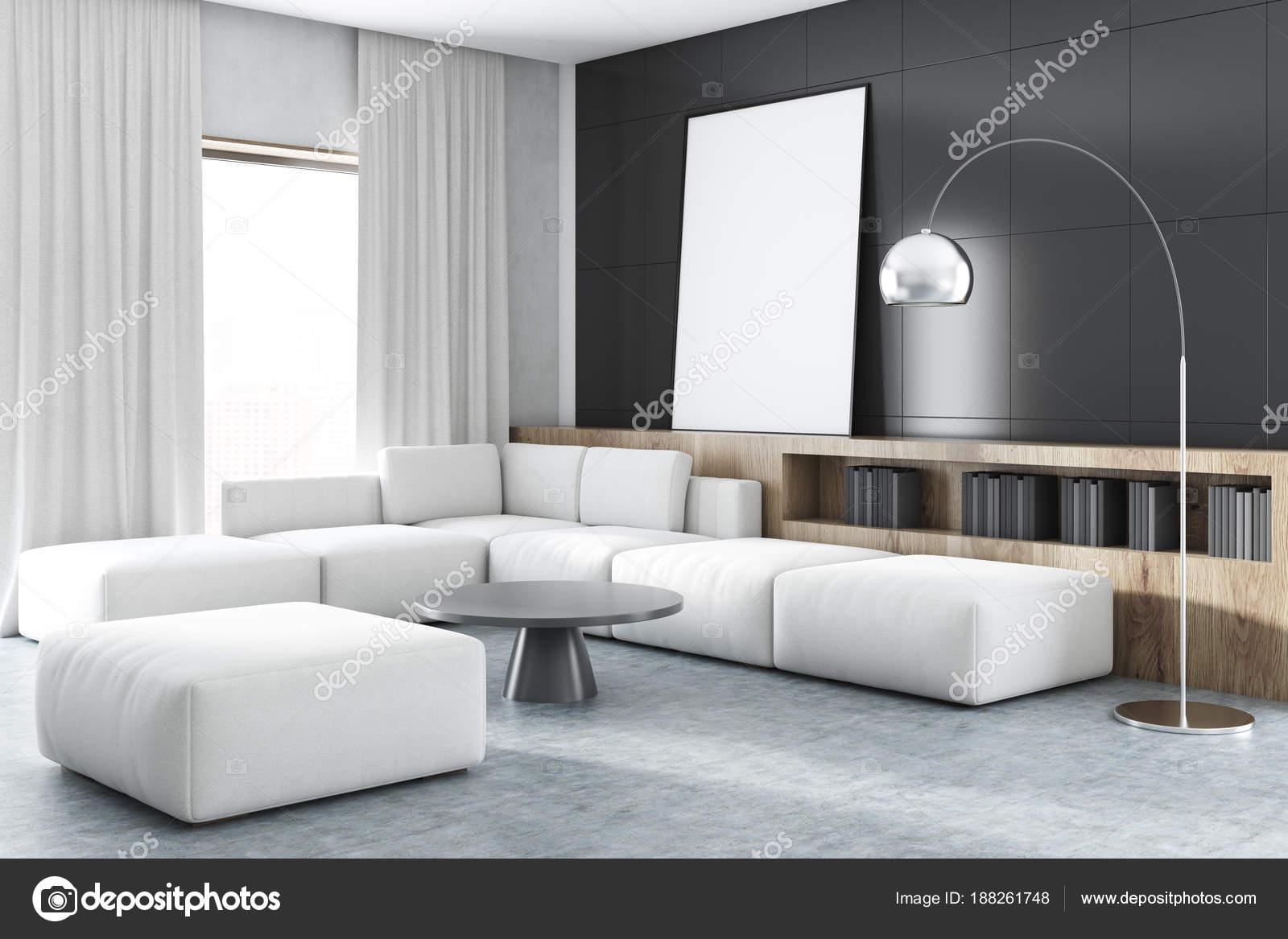 Schwarze Wand Wohnzimmer Ecke Mit Einem Weißen Sofa, Ein Großes Fenster,  Bücherregale Und Ein Gerahmtes Vertikale Poster. Eine Nahaufnahme.