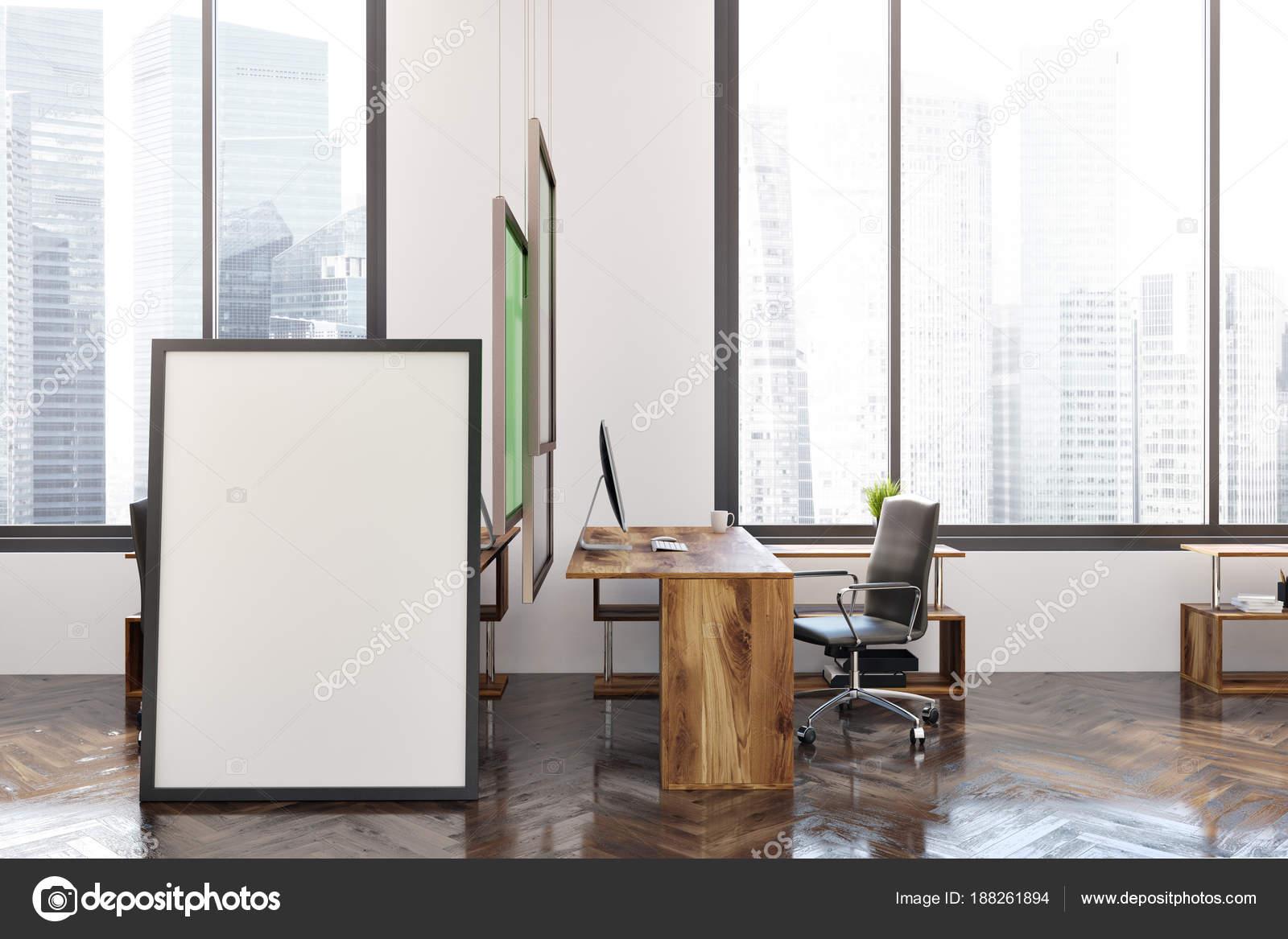 Verticale poster in een witte kantoor interieur u stockfoto