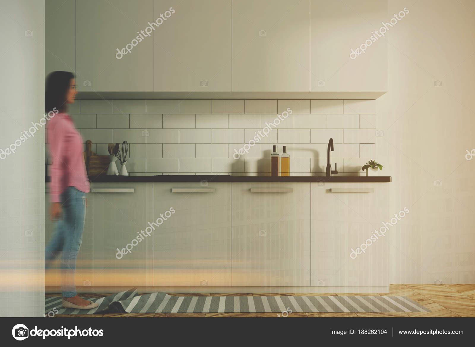 Weiße Küche Interieur, weiße Theken getönten — Stockfoto ...