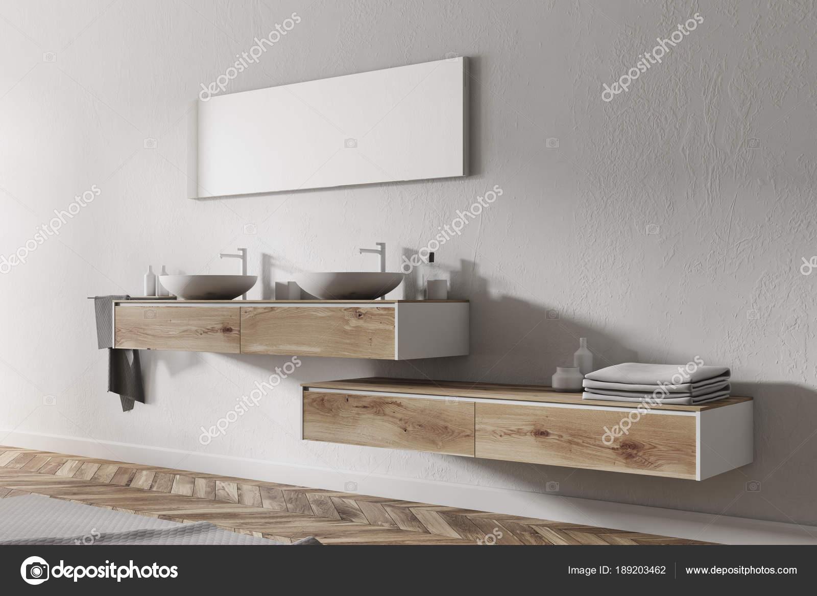 Angolo bagno doppio lavabo u foto stock denisismagilov